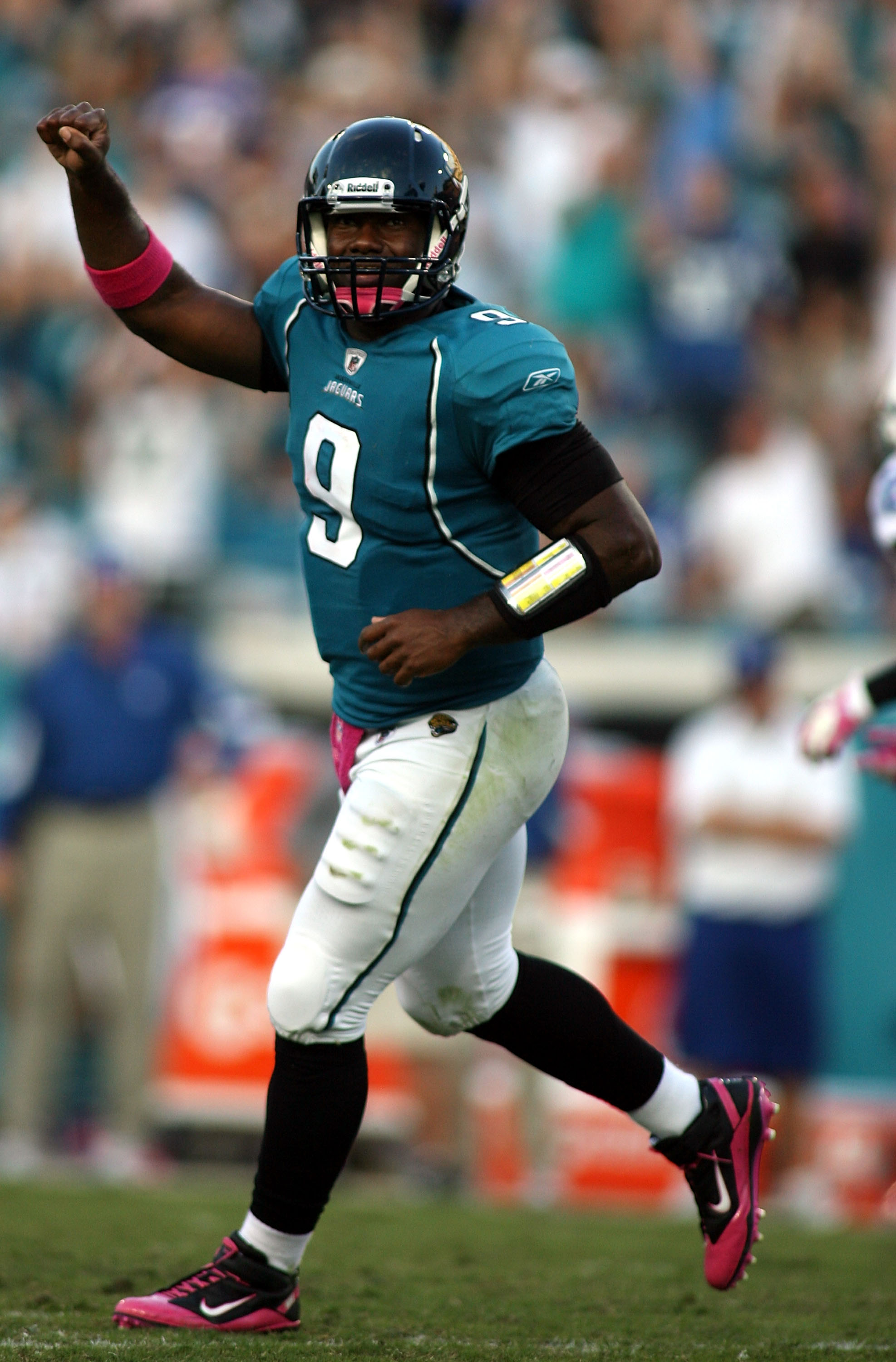 JACKSONVILLE, FL - OCTOBER 03:  Quarterback David Garrard #9 of the Jacksonville Jaguars celebrates the go ahead touchdown against the Indianapolis Colts at EverBank Field on October 3, 2010 in Jacksonville, Florida.  (Photo by Marc Serota/Getty Images)
