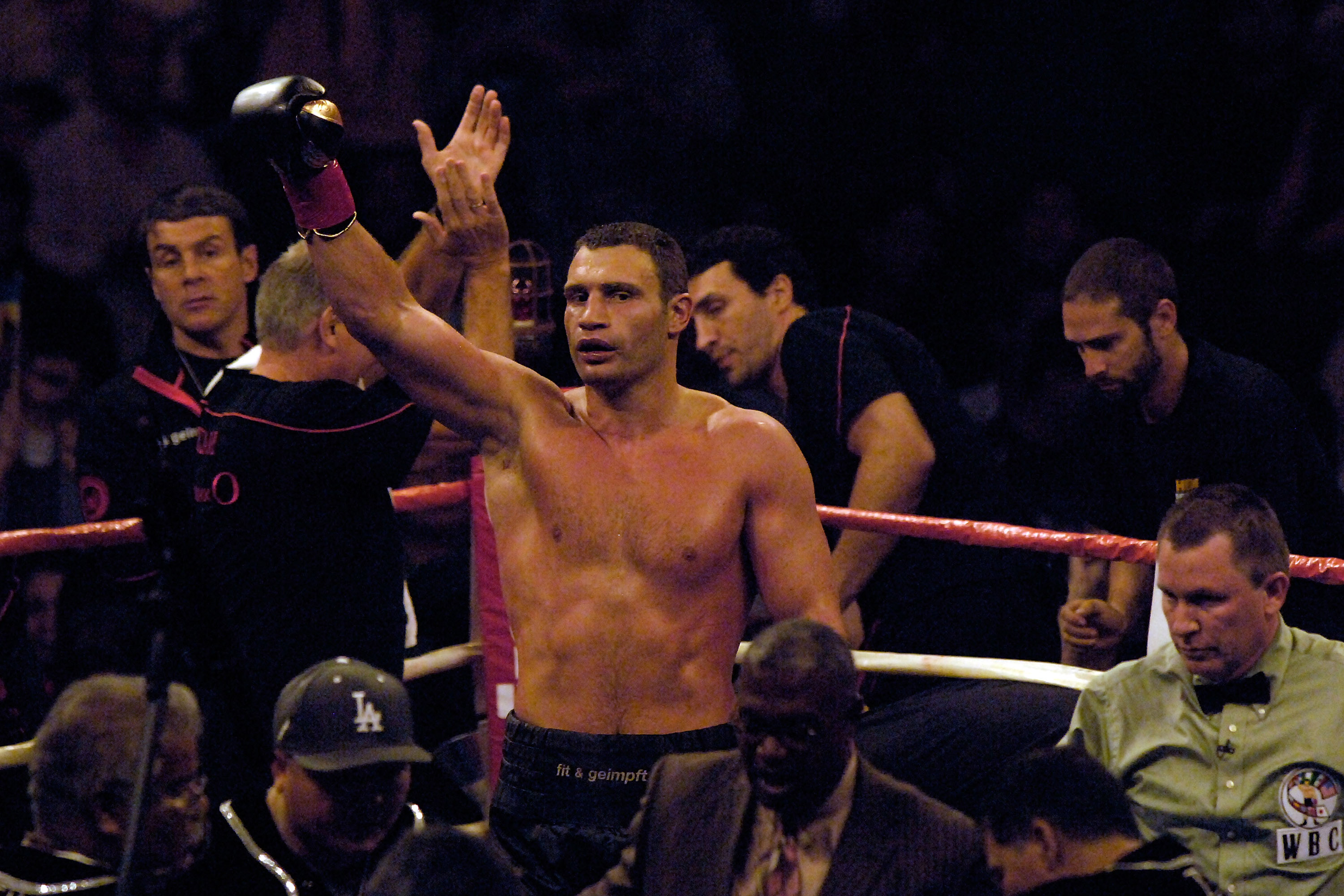 LOS ANGELES, CA - SEPTEMBER 26:  Vitali Klitschko celebrates his victory against opponent Chris Arreola at the Staples Center on September 26, 2009 in Los Angeles, California.  (Photo by Jacob de Golish/Getty Images)
