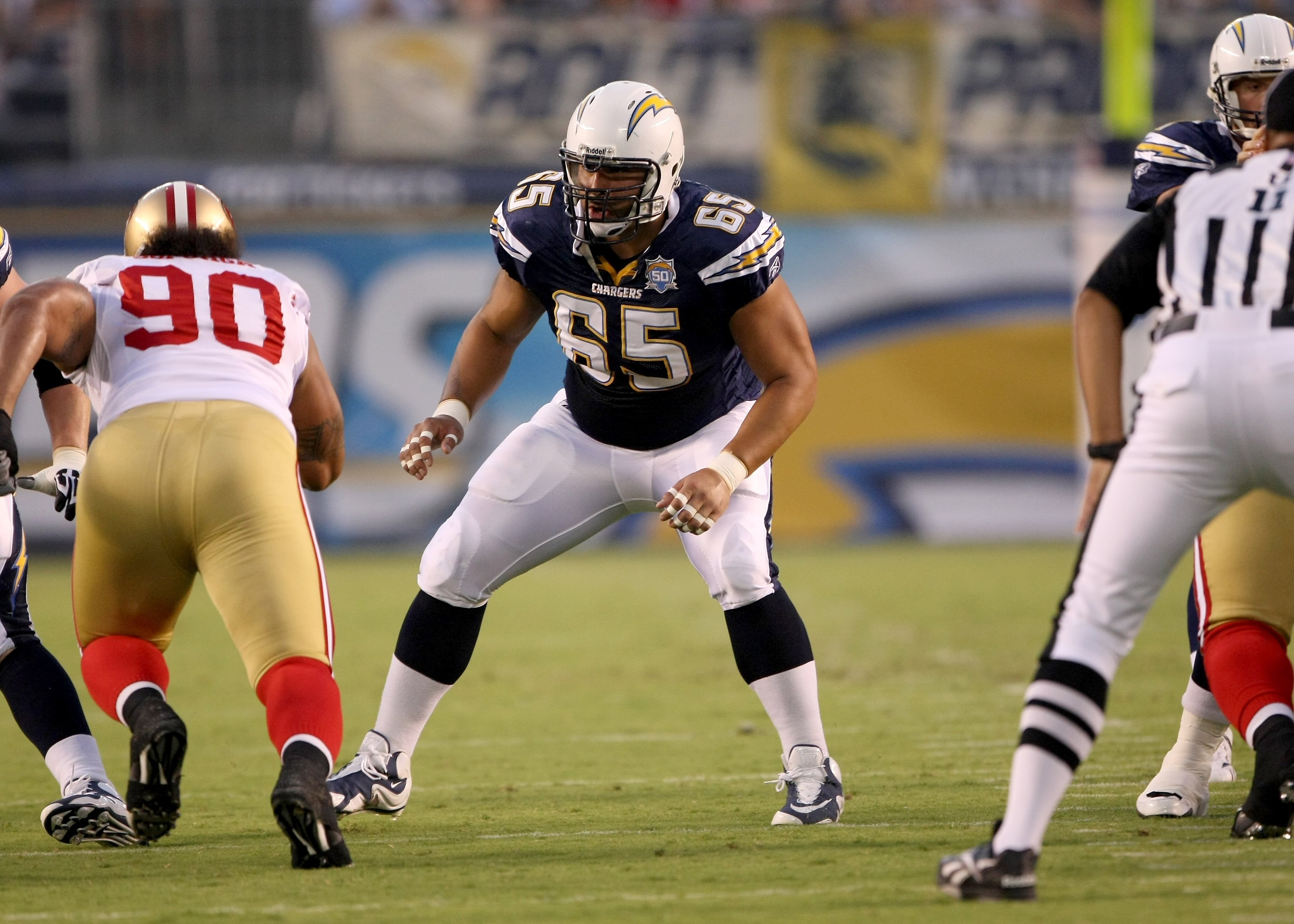 SAN DIEGO - SEPTEMBER 04:  Guard Louis Vasquez #65 of the San Diego Chargers blocks against the San Francisco 49ers on September 4, 2009 at Qualcomm Stadium in San Diego, California.   The Chrgers won 26-7.  (Photo by Stephen Dunn/Getty Images)