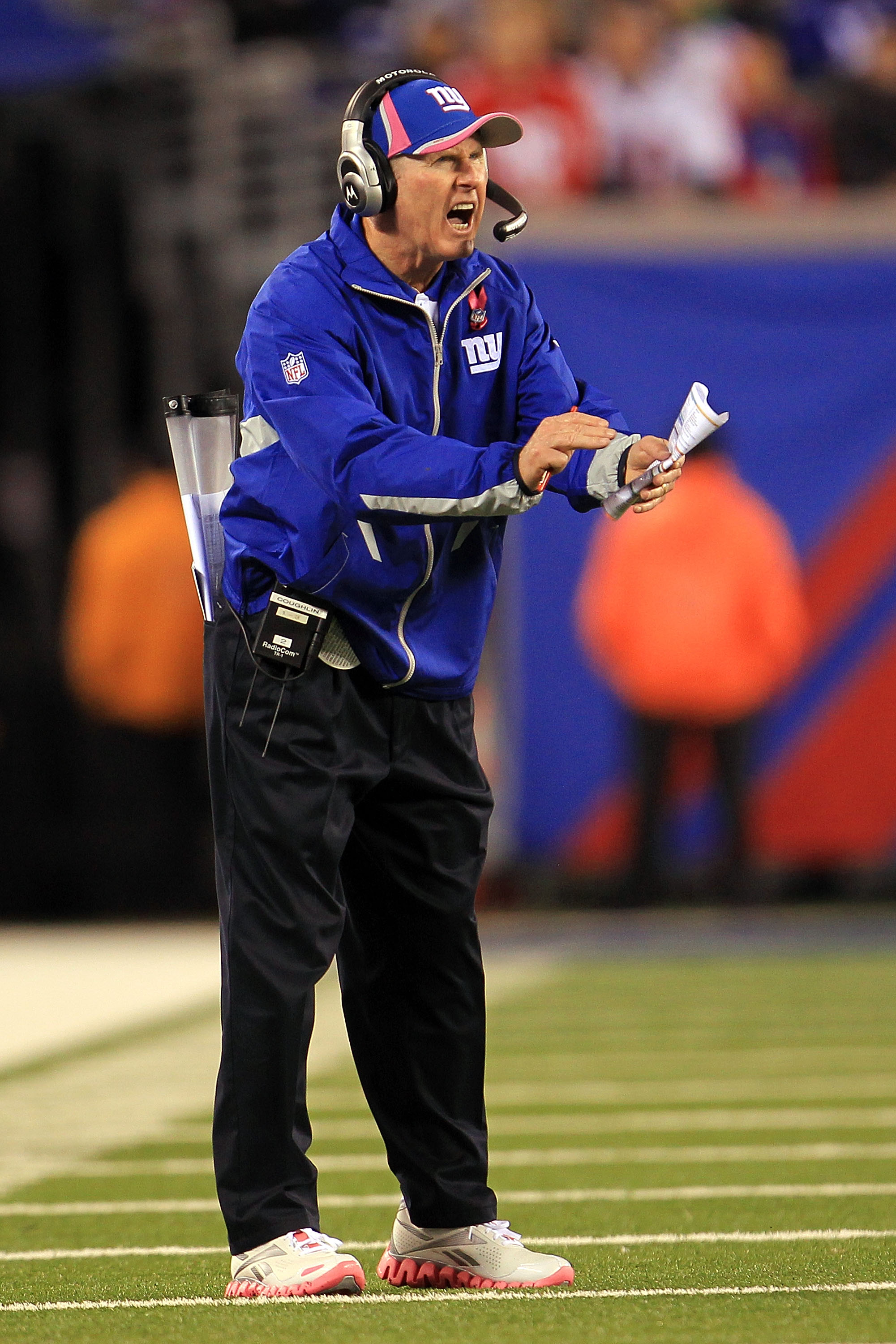 EAST RUTHERFORD, NJ - OCTOBER 03:  Head coach Tom Coughlin of the New York Giants shouts from the sidelines against the Chicago Bears at New Meadowlands Stadium on October 3, 2010 in East Rutherford, New Jersey.  (Photo by Chris McGrath/Getty Images)