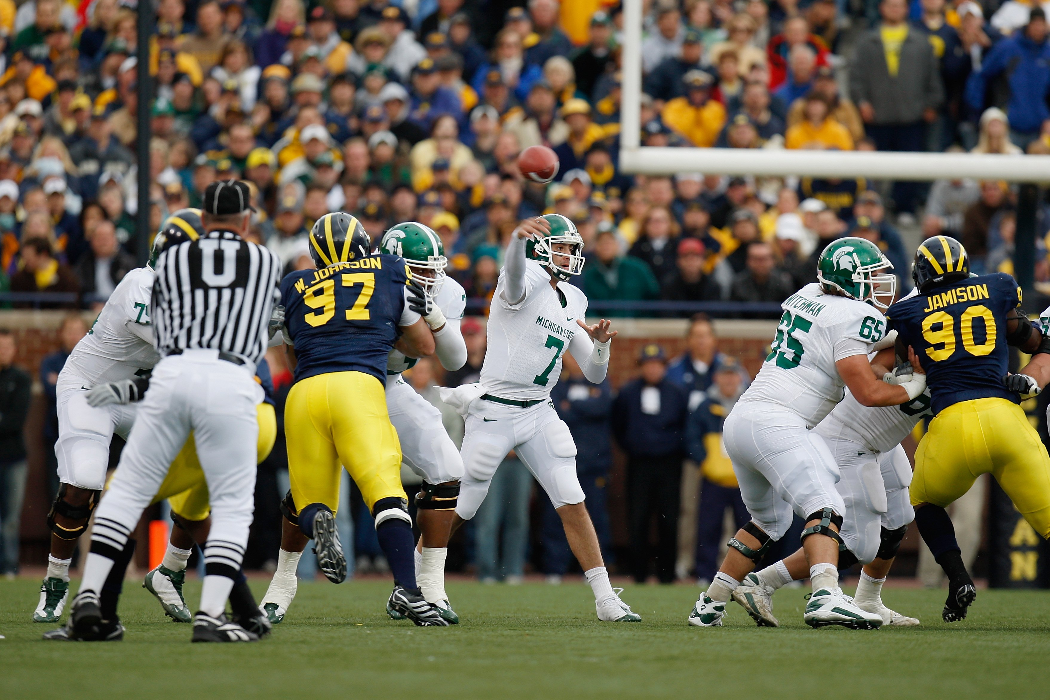 ANN ARBOR, MI - OCTOBER 25:  Brian Hoyer #7 of the Michigan State Spartans passes the ball during the game against the Michigan Wolverines on October 25, 2008 at Michigan Stadium in Ann Arbor, Michigan. Michigan State won the game 35-21. (Photo by Gregory