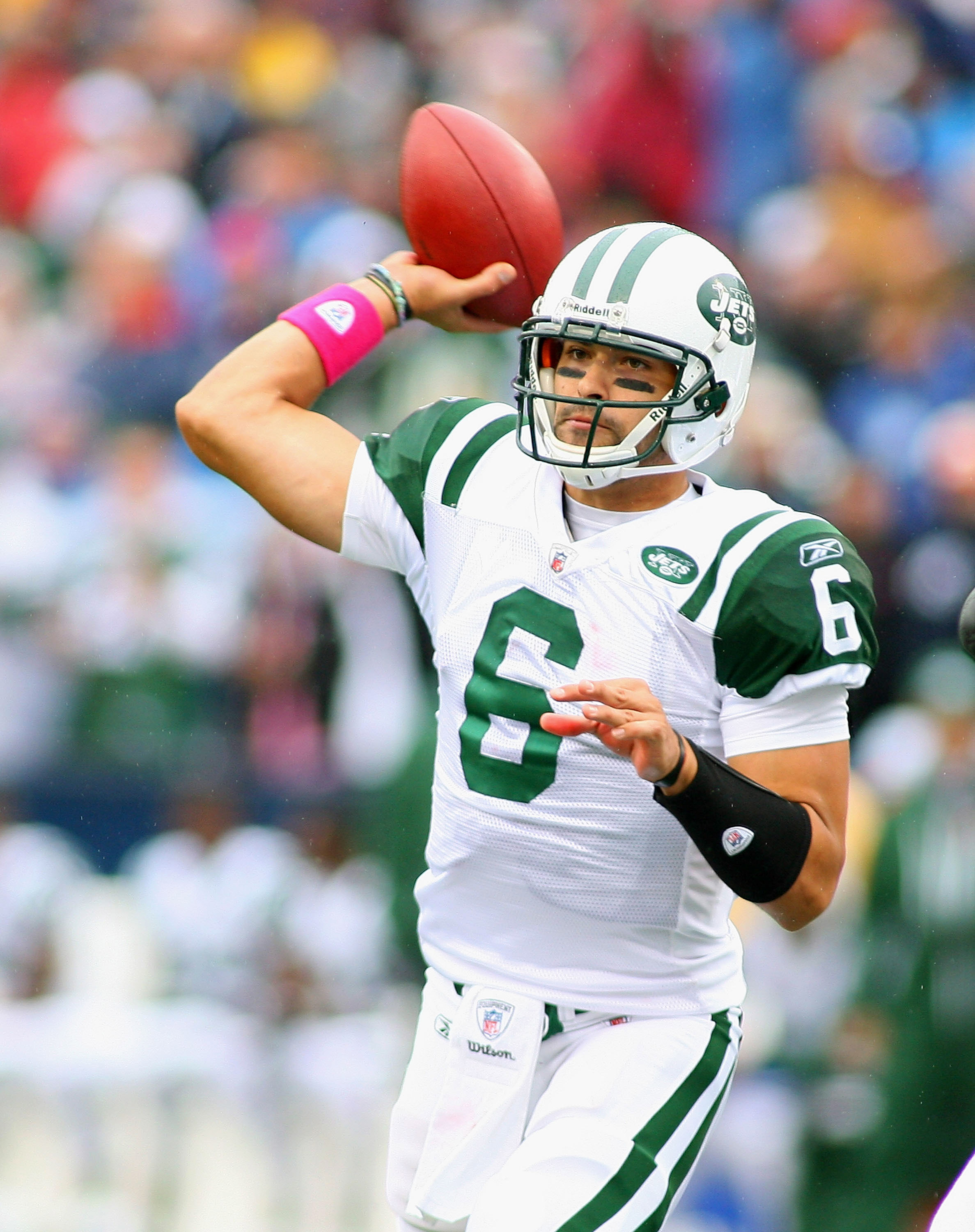 ORCHARD PARK, NY - OCTOBER 03:  Mark Sanchez #6 of the New York Jets throws a pass against the Buffalo Bills at Ralph Wilson Stadium on October 3, 2010 in Orchard Park, New York. The Jets won 38-14.  (Photo by Rick Stewart/Getty Images)
