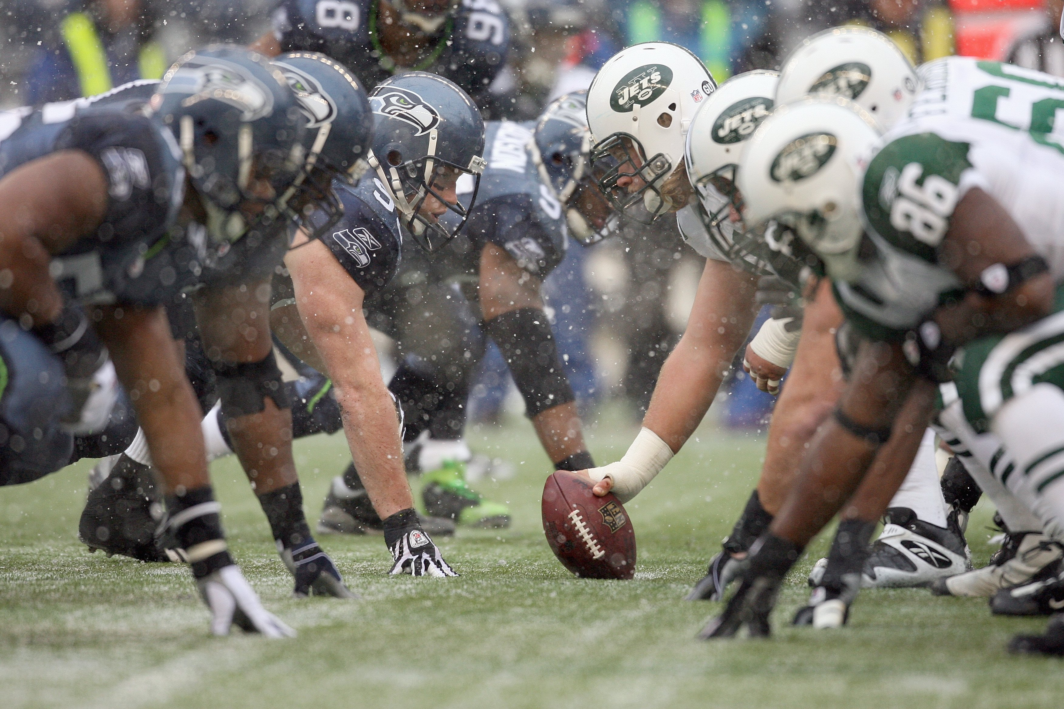SEATTLE - DECEMBER 21:  The Seattle Seahawks defense lines up against the New York Jets offensive line on December 21, 2008 at Qwest Field in Seattle, Washington. The Seahawks defeated the Jets 13-3. (Photo by Otto Greule Jr/Getty Images)