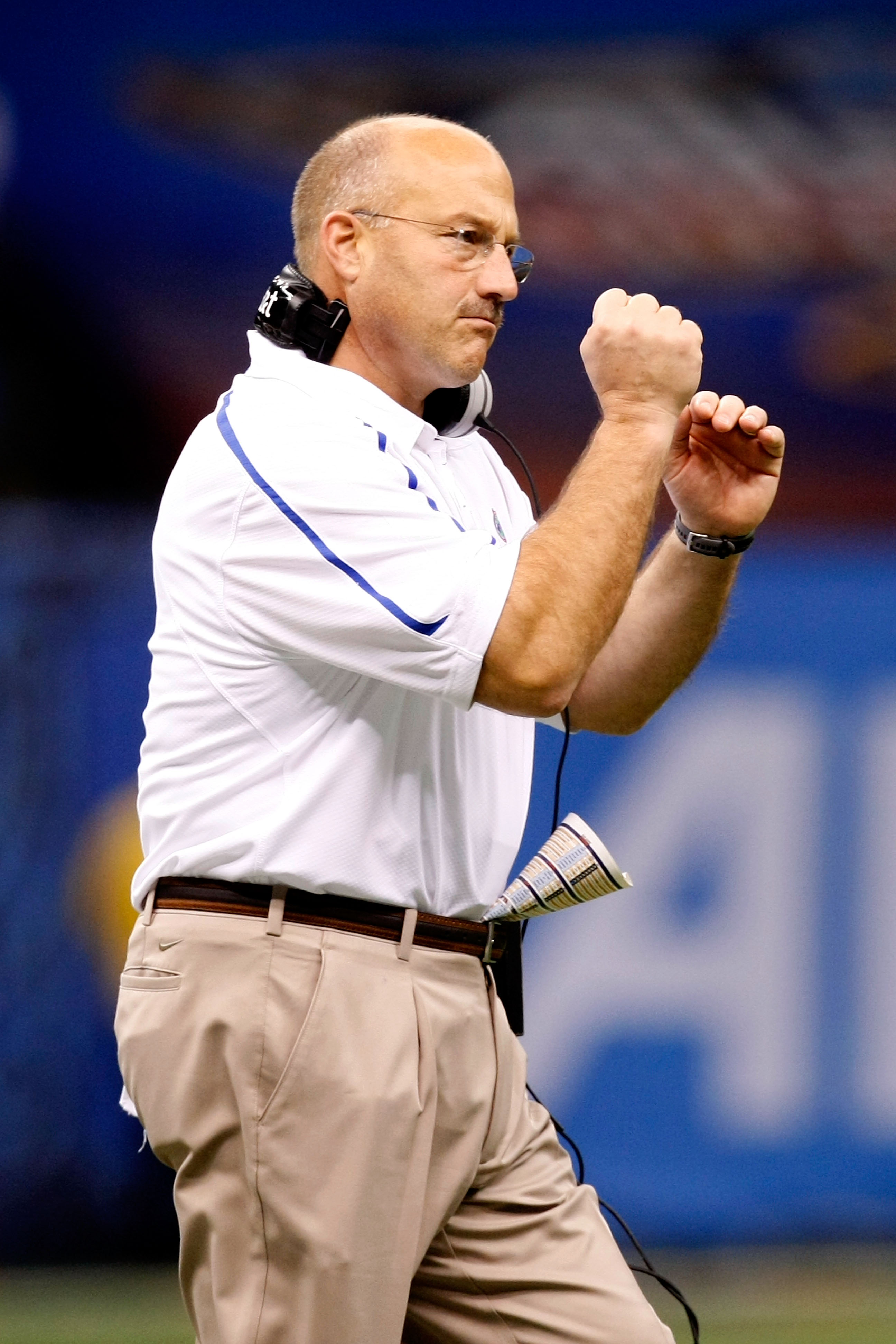 NEW ORLEANS - JANUARY 01:  Offensive coordinator and interim head coach Steve Addazio of the Florida Gators celebrates a touchdown from the sidelines during the Allstate Sugar Bowl against the Cincinnati Bearcats at the Louisana Superdome on January 1, 20