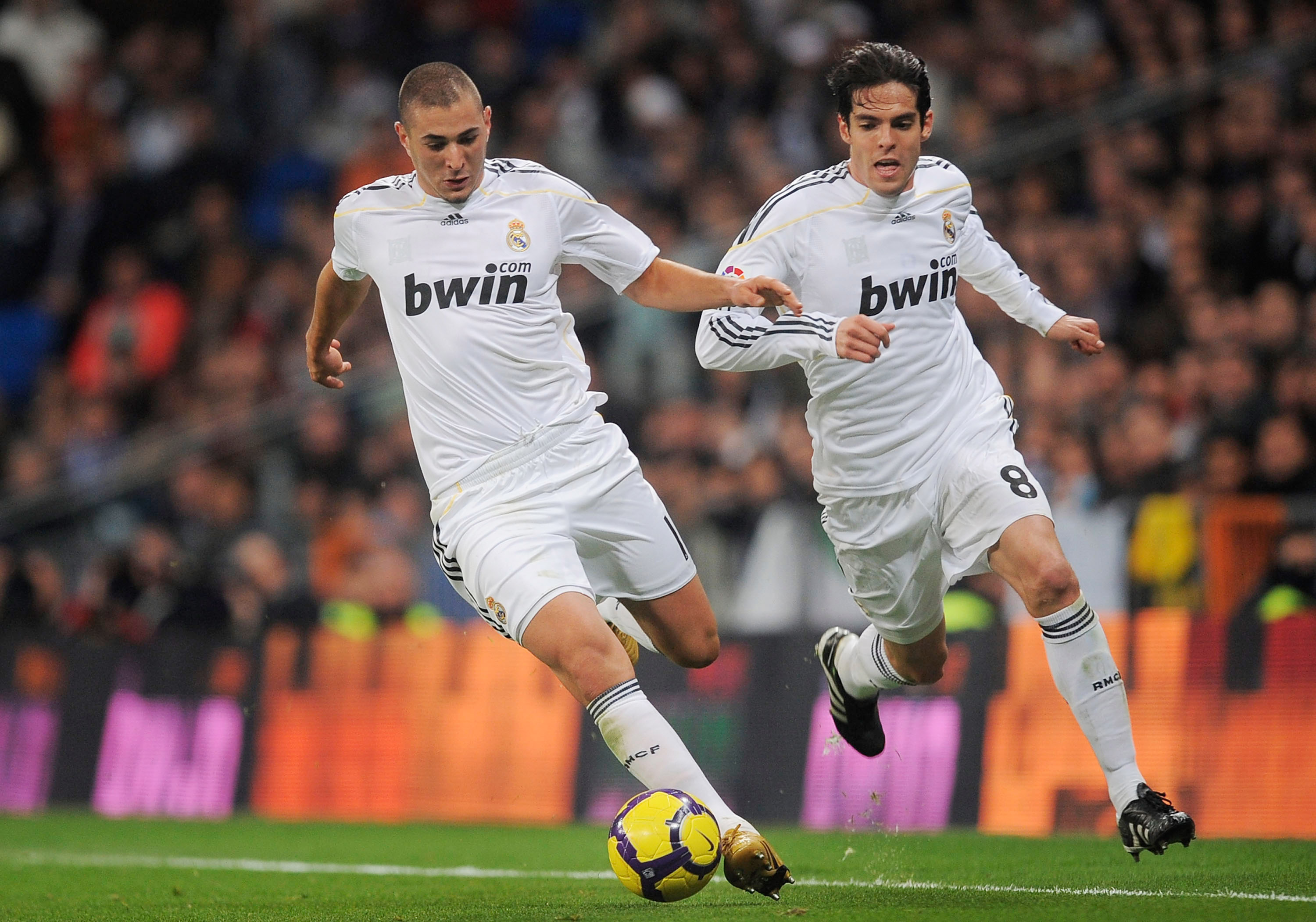 MADRID, SPAIN - FEBRUARY 06:  Karim Benzema (L) and Kaka of Real Madrid in action during the La Liga match between Real Madrid and Espanyol at Estadio Santiago Bernabeu on February 6, 2010 in Madrid, Spain.  (Photo by Denis Doyle/Getty Images)