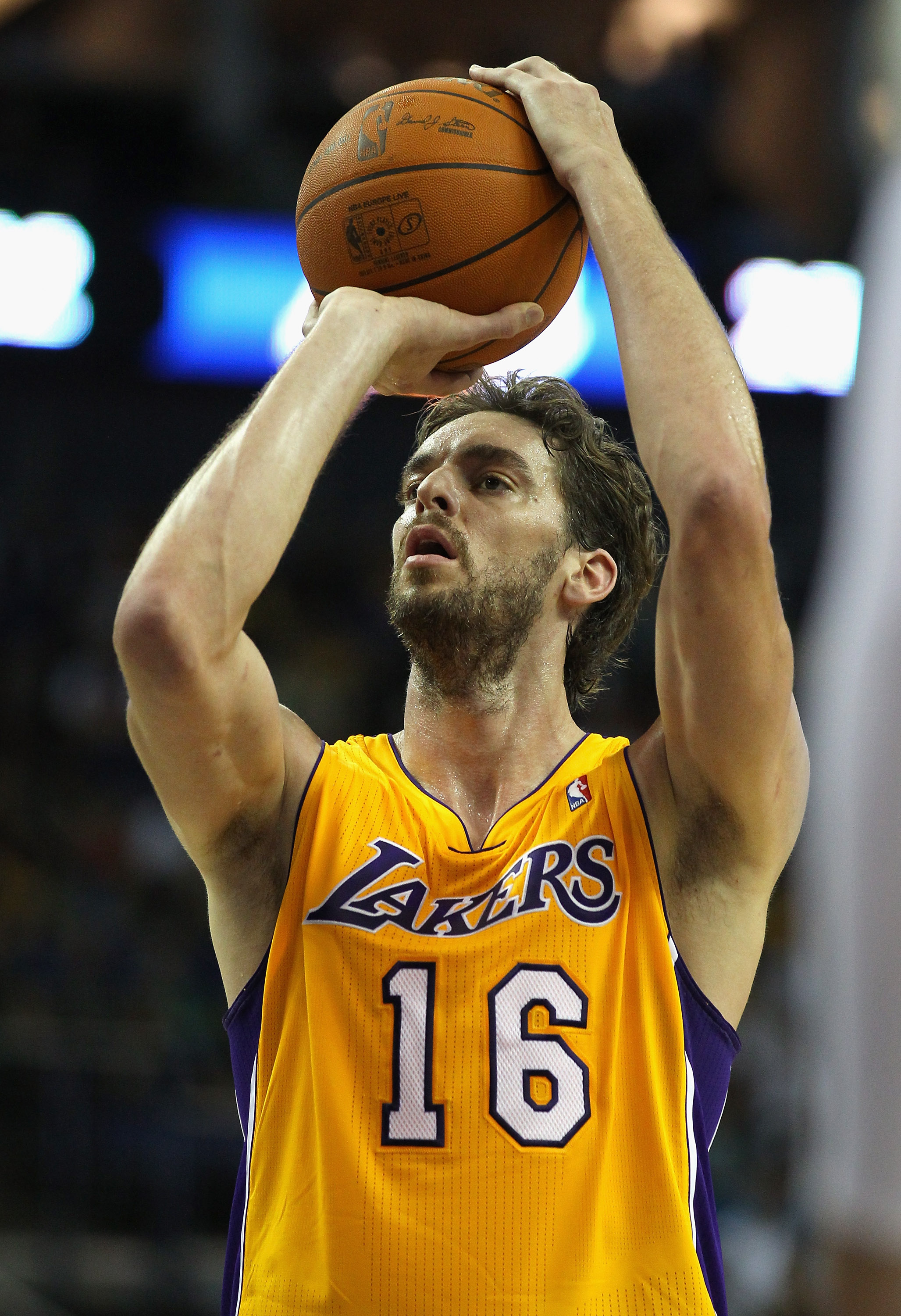 LONDON, ENGLAND - OCTOBER 04:  Pau Gasol of the Los Angeles Lakers in action during the NBA Europe Live match between the Los Angeles Lakers and the Minnesota Timberwolves at the O2 arena on October 4, 2010 in London, England.  (Photo by Clive Rose/Getty