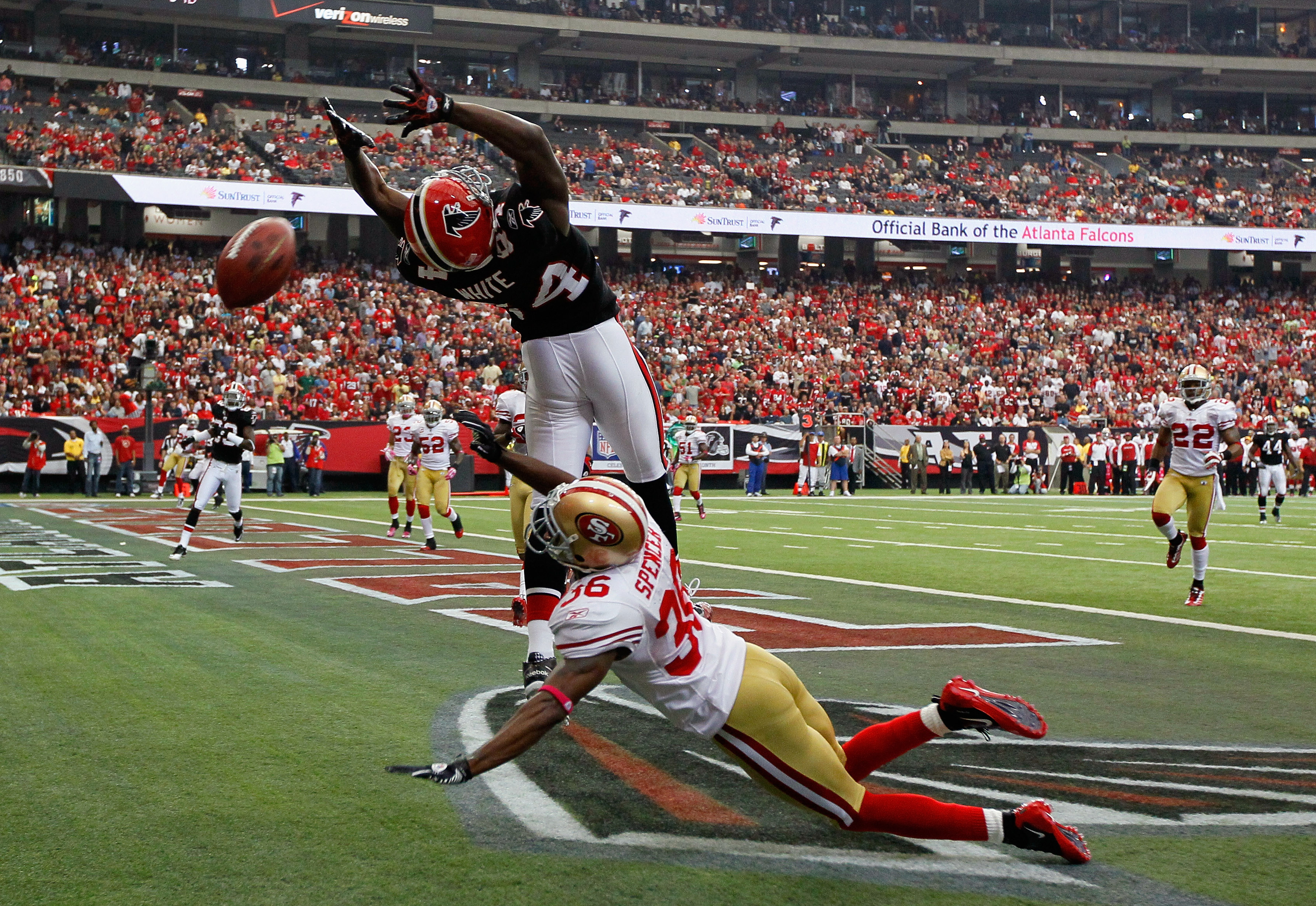 ATLANTA - OCTOBER 03:  Roddy White #84 of the Atlanta Falcons fails to pull in this touchdown reception against Shawntae Spencer #36 of the San Francisco 49ers at Georgia Dome on October 3, 2010 in Atlanta, Georgia.  (Photo by Kevin C. Cox/Getty Images)