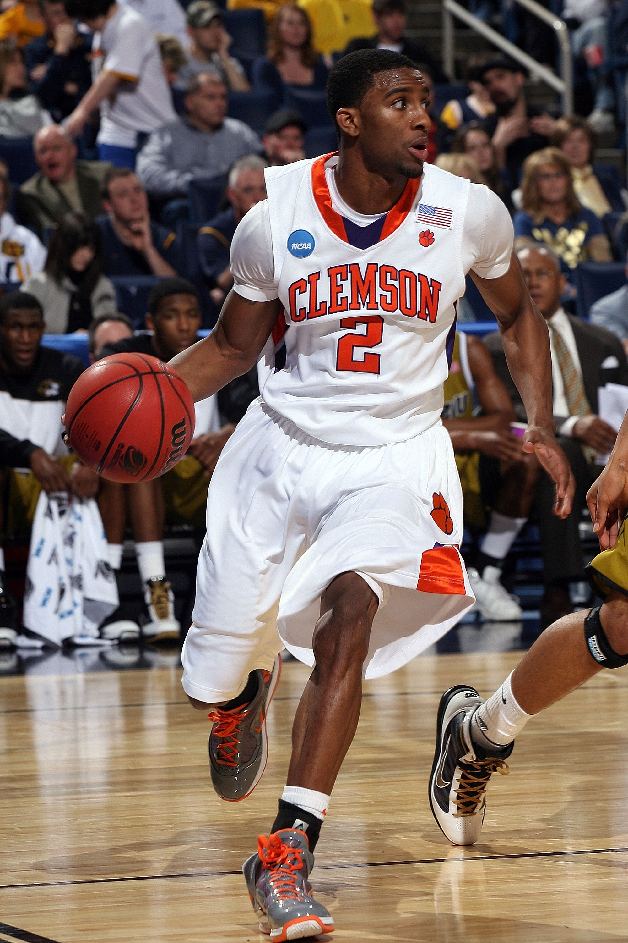 BUFFALO, NY - MARCH 19:  Demontez Stitt #2 of the Clemson Tigers handles the ball against the Missouri Tigers during the first round of the 2010 NCAA men's basketball tournament at HSBC Arena on March 19, 2010 in Buffalo, New York.  (Photo by Rick Stewart