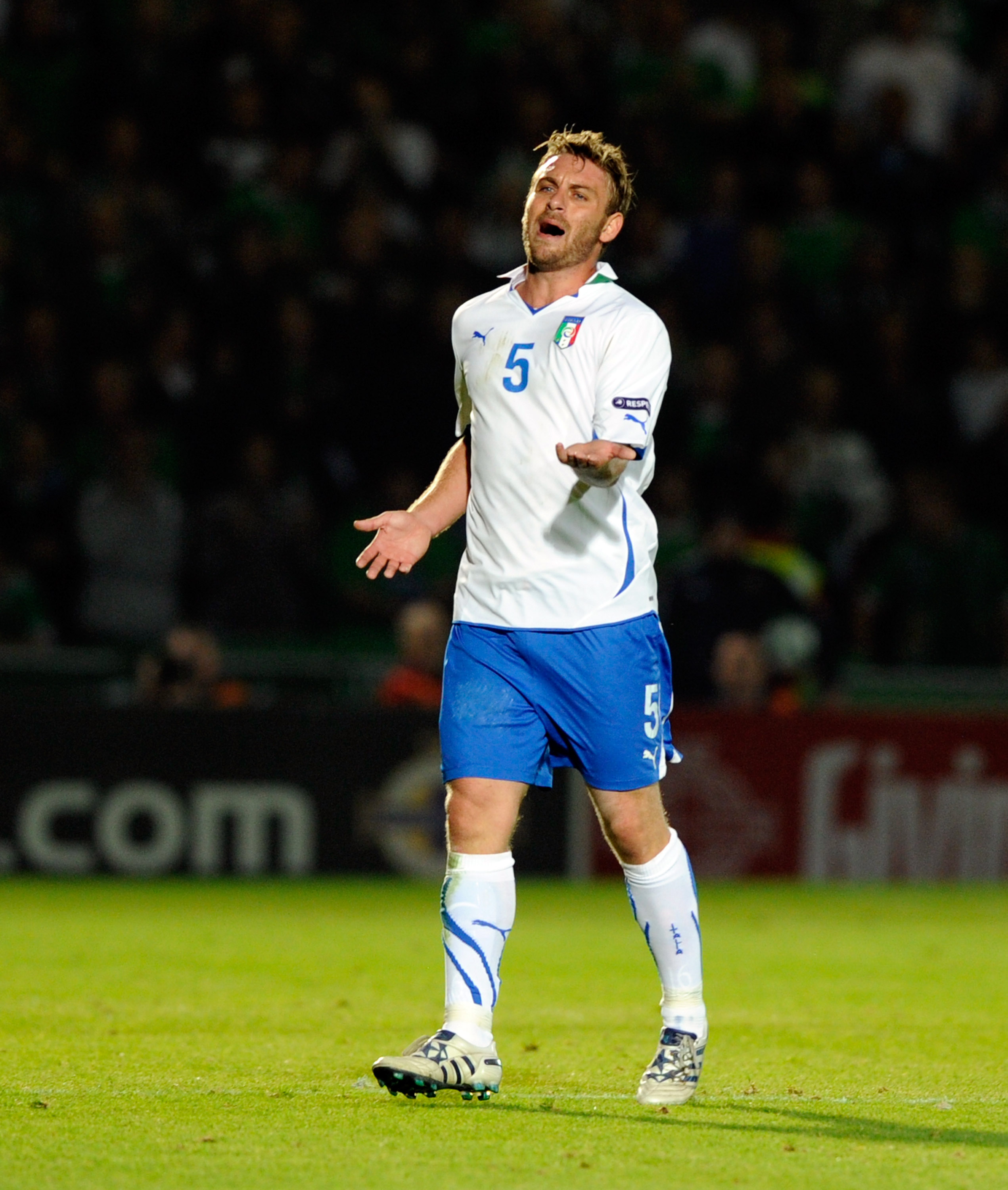 BELFAST, NORTHERN IRELAND - OCTOBER 08:  Daniele De Rossi of Italy reacts during the Euro 2012 group C qualifying match between Northern Ireland and Italy on October 8, 2010 in Belfast, Northern Ireland.  (Photo by Claudio Villa/Getty Images)