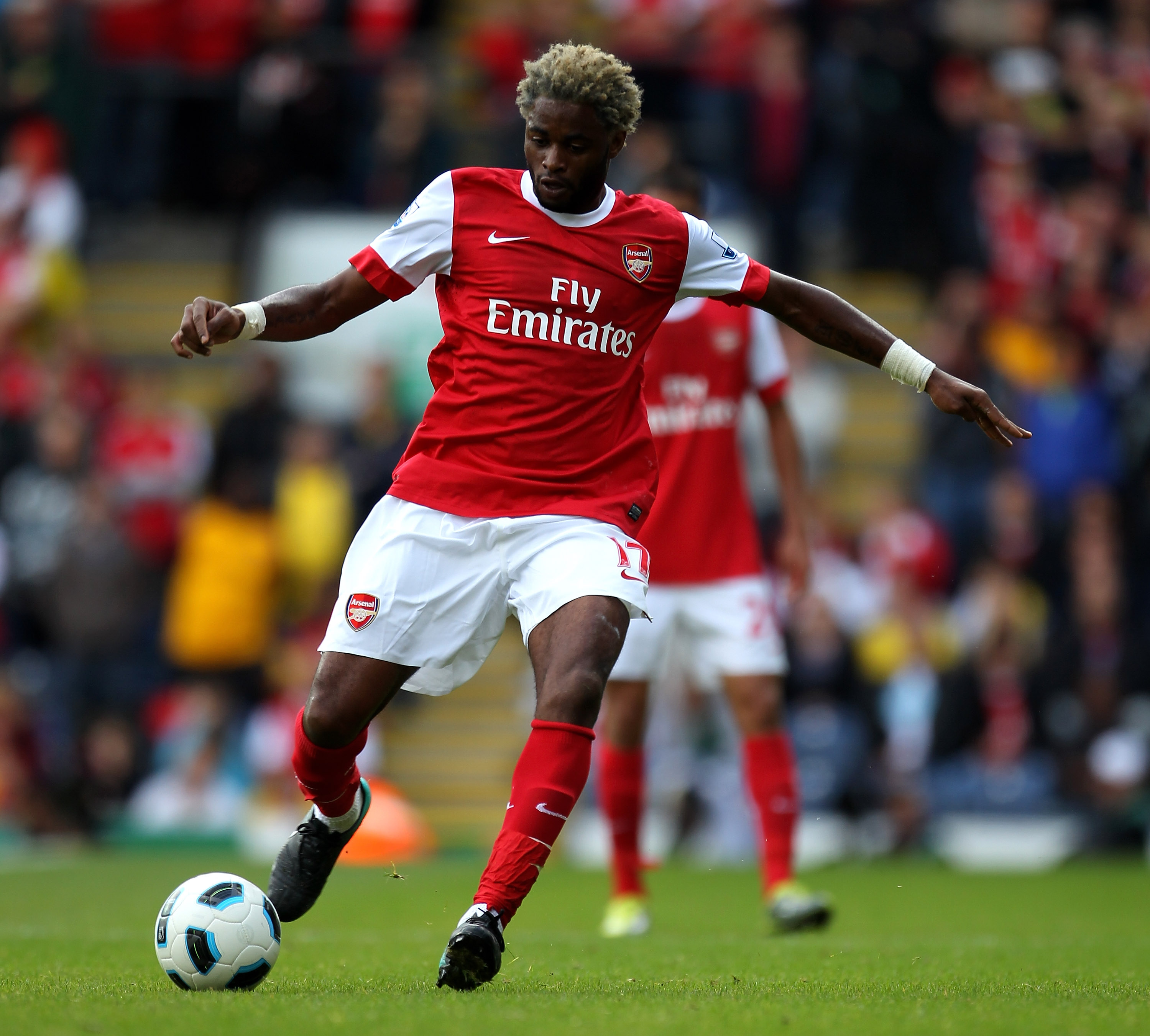 BLACKBURN, ENGLAND - AUGUST 28:  Alexandre Song of Arsenal in action during the Barclays Premier League match between Blackburn Rovers and Arsenal at Ewood Park on August 28, 2010 in Blackburn, England.  (Photo by Alex Livesey/Getty Images)