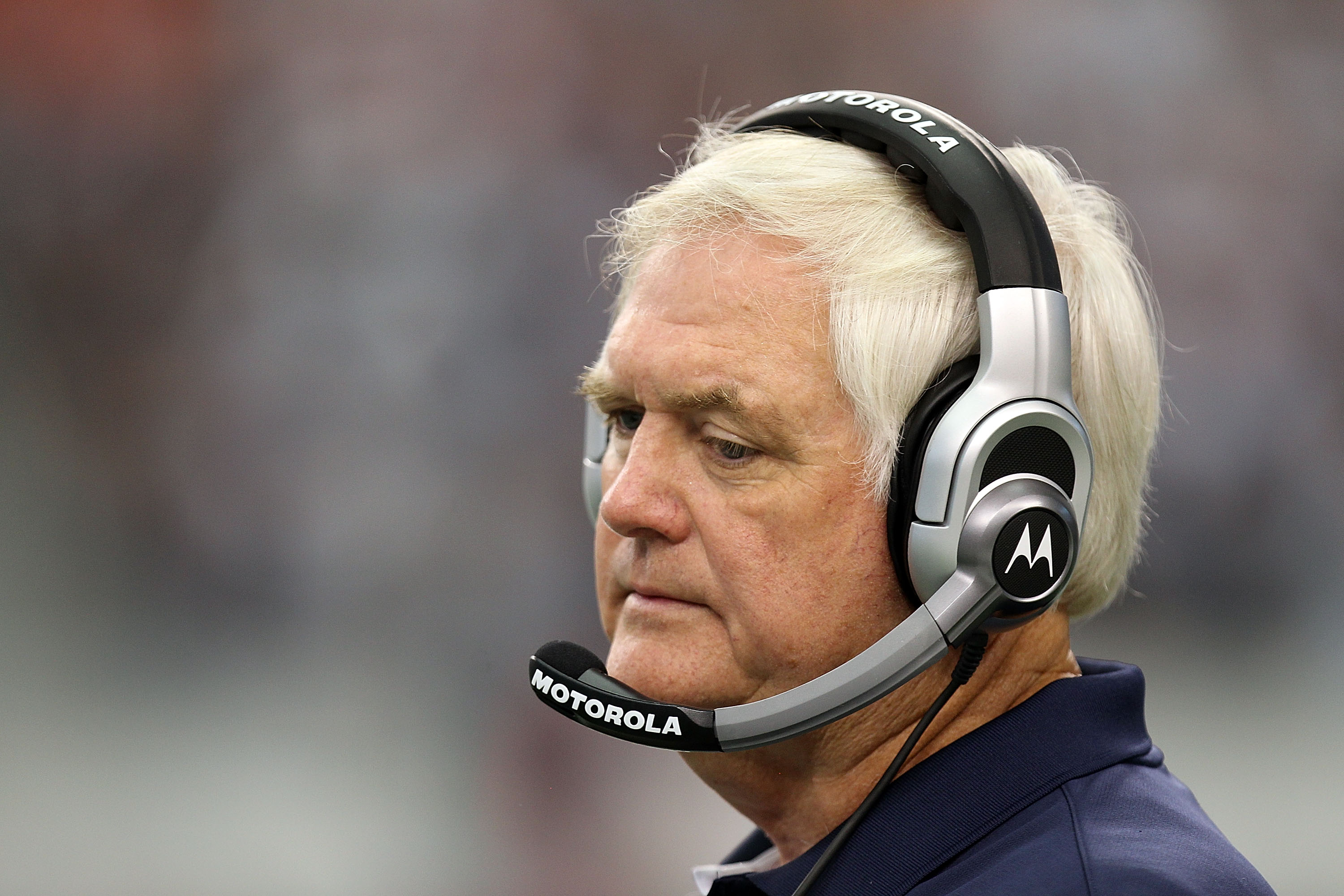 ARLINGTON, TX - SEPTEMBER 19:  Head coach Wade Phillips of the Dallas Cowboys reacts during a 27-20 loss against the Chicago Bears at Cowboys Stadium on September 19, 2010 in Arlington, Texas.  (Photo by Ronald Martinez/Getty Images)