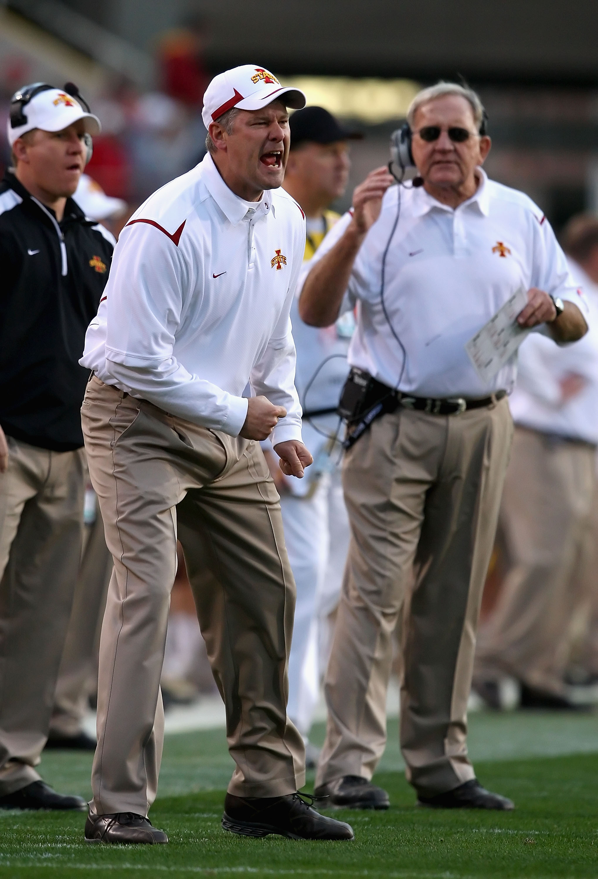 Tempe, AZ - DECEMBER 31:  Head coach Paul Rhoads of the Iowa State Cyclones reacts to a call during the Insight Bowl against the Minnesota Golden Gophers at Arizona Stadium on December 31, 2009 in Tempe, Arizona.  (Photo by Christian Petersen/Getty Images