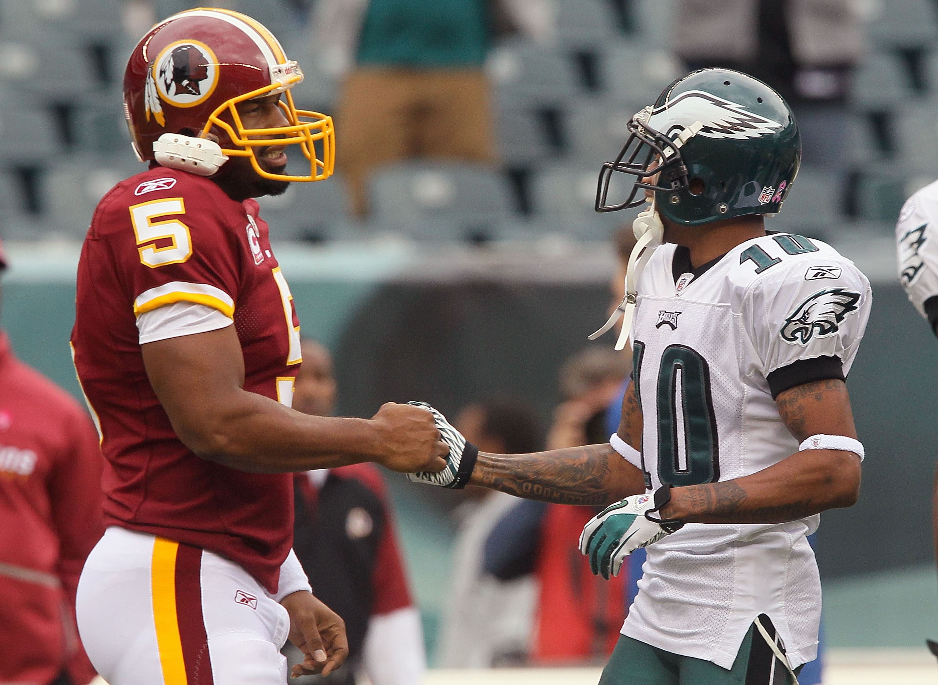 PHILADELPHIA - OCTOBER 03:  Donovan McNabb #5 of the Washington Redskins greets DeSean Jackson #10 of the Philadelphia Eagles prior to their game on October 3, 2010 at Lincoln Financial Field in Philadelphia, Pennsylvania.  (Photo by Jim McIsaac/Getty Ima