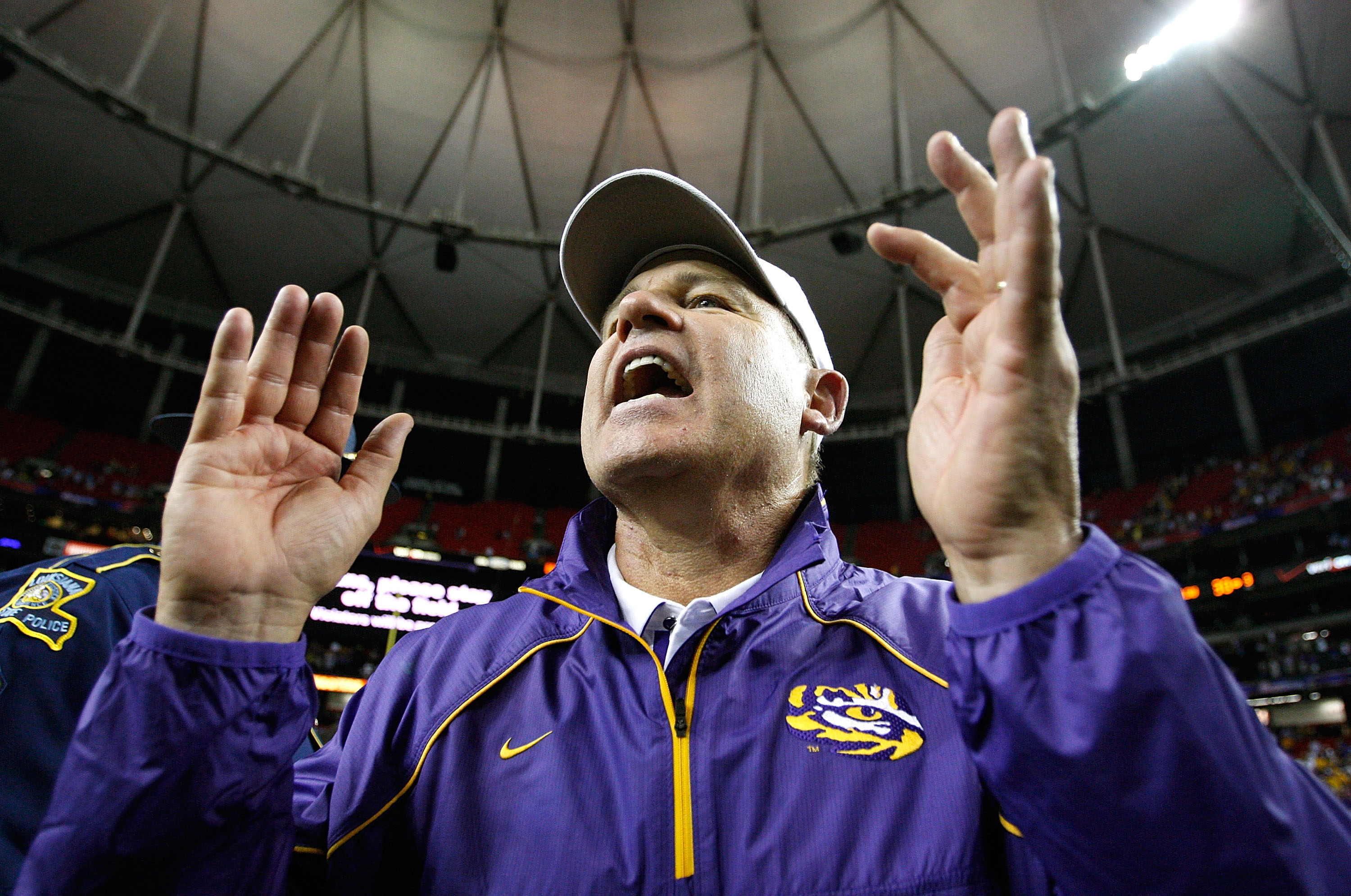 ATLANTA - SEPTEMBER 04:  Head coach Les Miles of the LSU Tigers yells to his team after their 30-24 win over the North Carolina Tar Heels in the Chick-fil-A Kickoff Game at Georgia Dome on September 4, 2010 in Atlanta, Georgia.  (Photo by Kevin C. Cox/Get