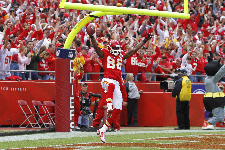 KANSAS CITY, MO - SEPTEMBER 26: Dwayne Bowe #82 of the Kansas City Chiefs celebrates after a 45-yard touchdown reception against the San Francisco 49ers at Arrowhead Stadium on September 26, 2010 in Kansas City, Missouri. The Chiefs won 31-10. (Photo by J