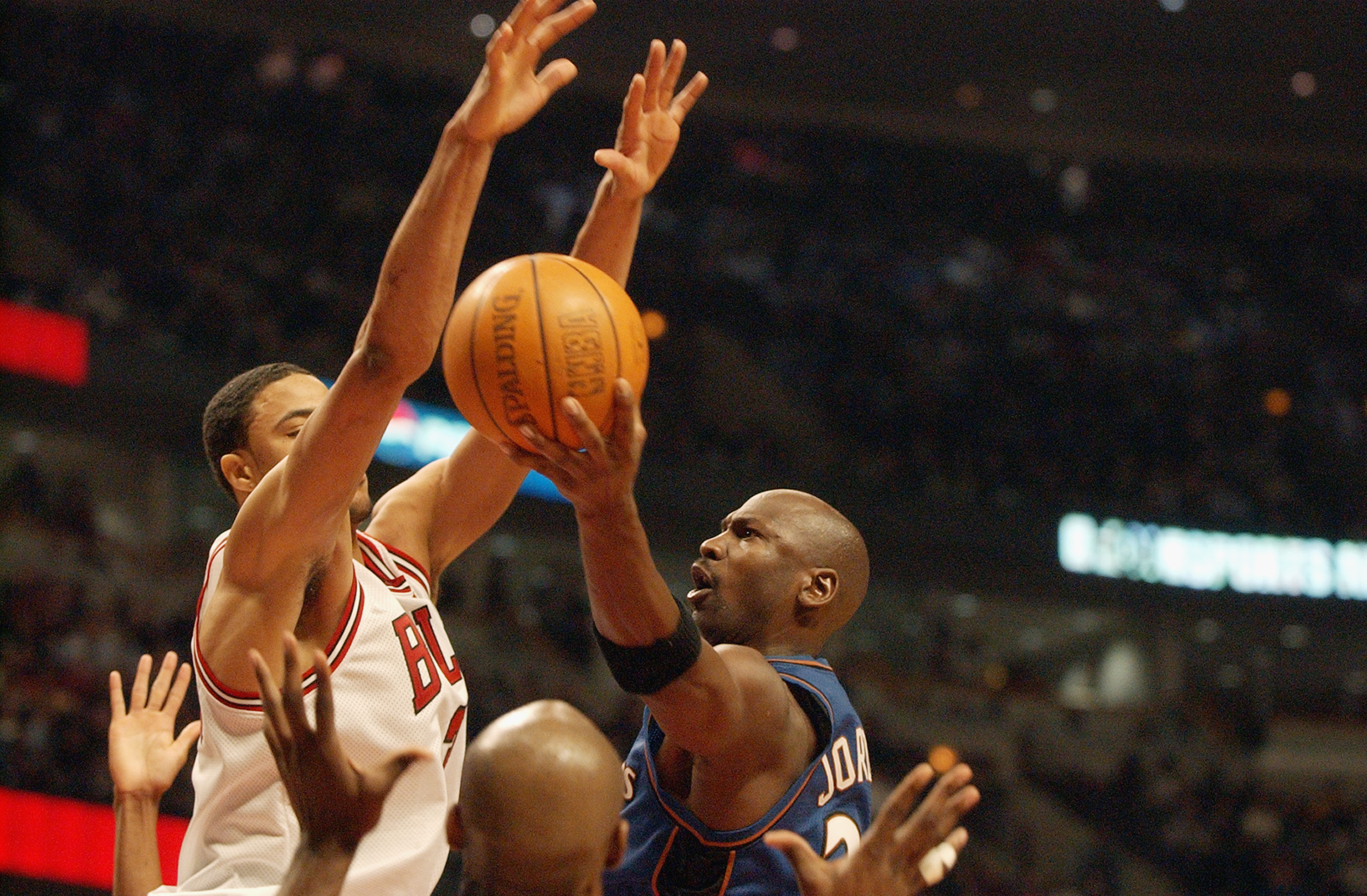 CHICAGO - JANUARY 24:  Michael Jordan #23 of the Washington Wizards shoots during Jordan's last appearance against his old team the Chicago Bulls at the United Center on January 24, 2003 in Chicago, Illinois.  The Bulls won 104-97.  NOTE TO USER: User exp