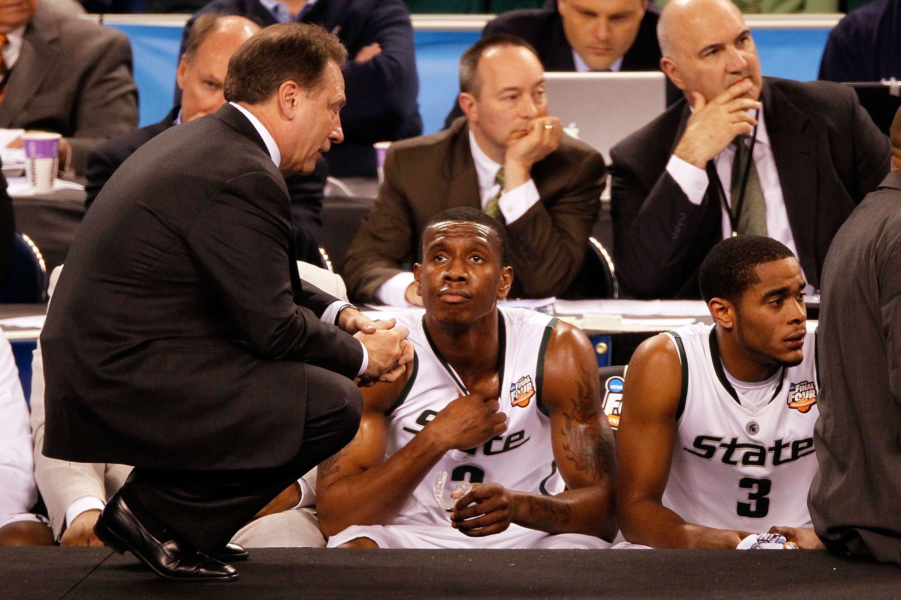 INDIANAPOLIS - APRIL 03:  Head coach Tom Izzo of the Michigan State Spartans talks with Raymar Morgan #2 from the sideline while taking on the Butler Bulldogs during the National Semifinal game of the 2010 NCAA Division I Men's Basketball Championship on