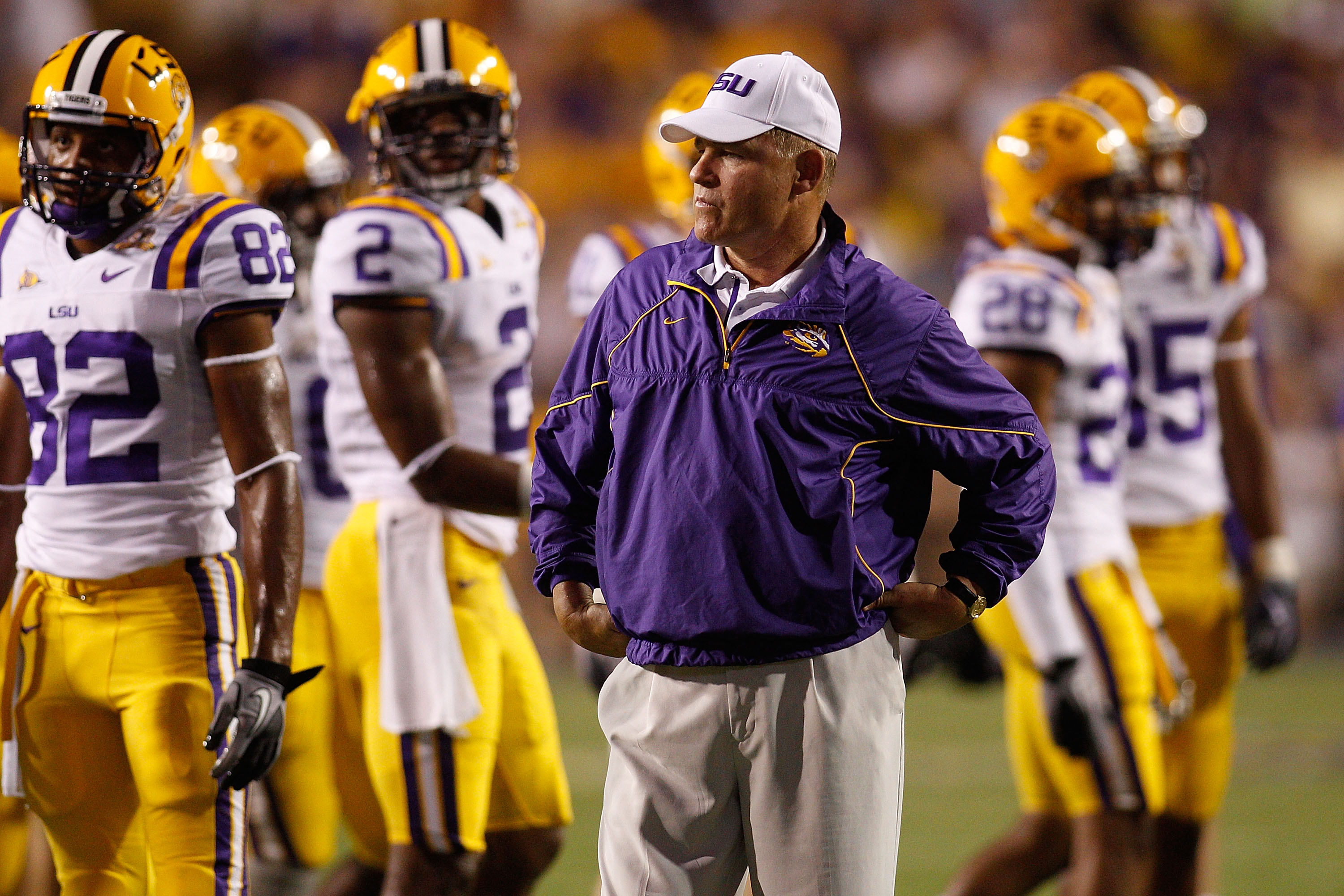 BATON ROUGE, LA - SEPTEMBER 25:  Head coach Les Miles of the Louisiana State Univeristy Tigers during pregame before playing the West Virginia Mountaineers at Tiger Stadium on September 25, 2010 in Baton Rouge, Louisiana.  (Photo by Chris Graythen/Getty I