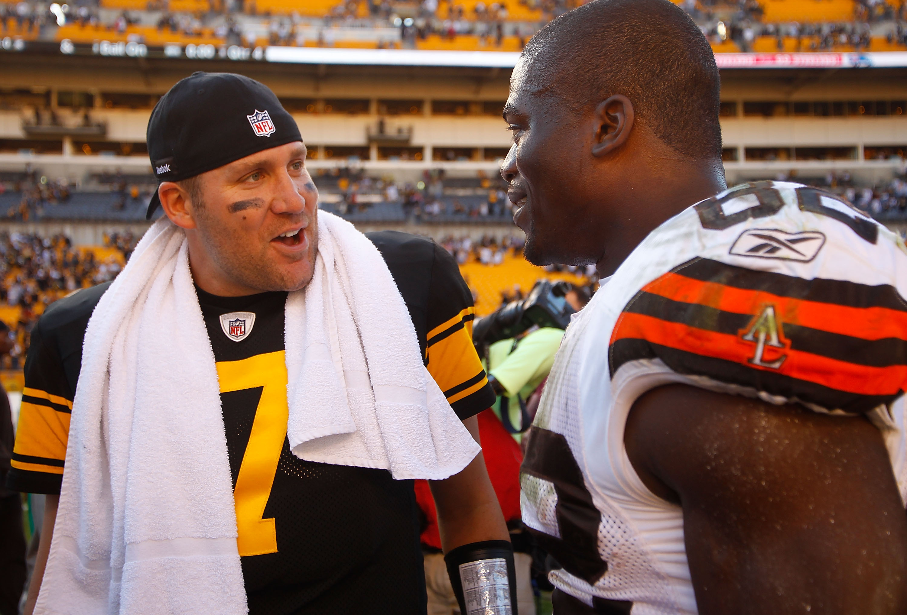PITTSBURGH - OCTOBER 17:  Ben Roethlisberger #7 of the Pittsburgh Steelers talks with Benjamin Watson #82 of the Cleveland Browns following the Steelers 28-10 win on October 17, 2010 at Heinz Field in Pittsburgh, Pennsylvania.  (Photo by Jared Wickerham/G