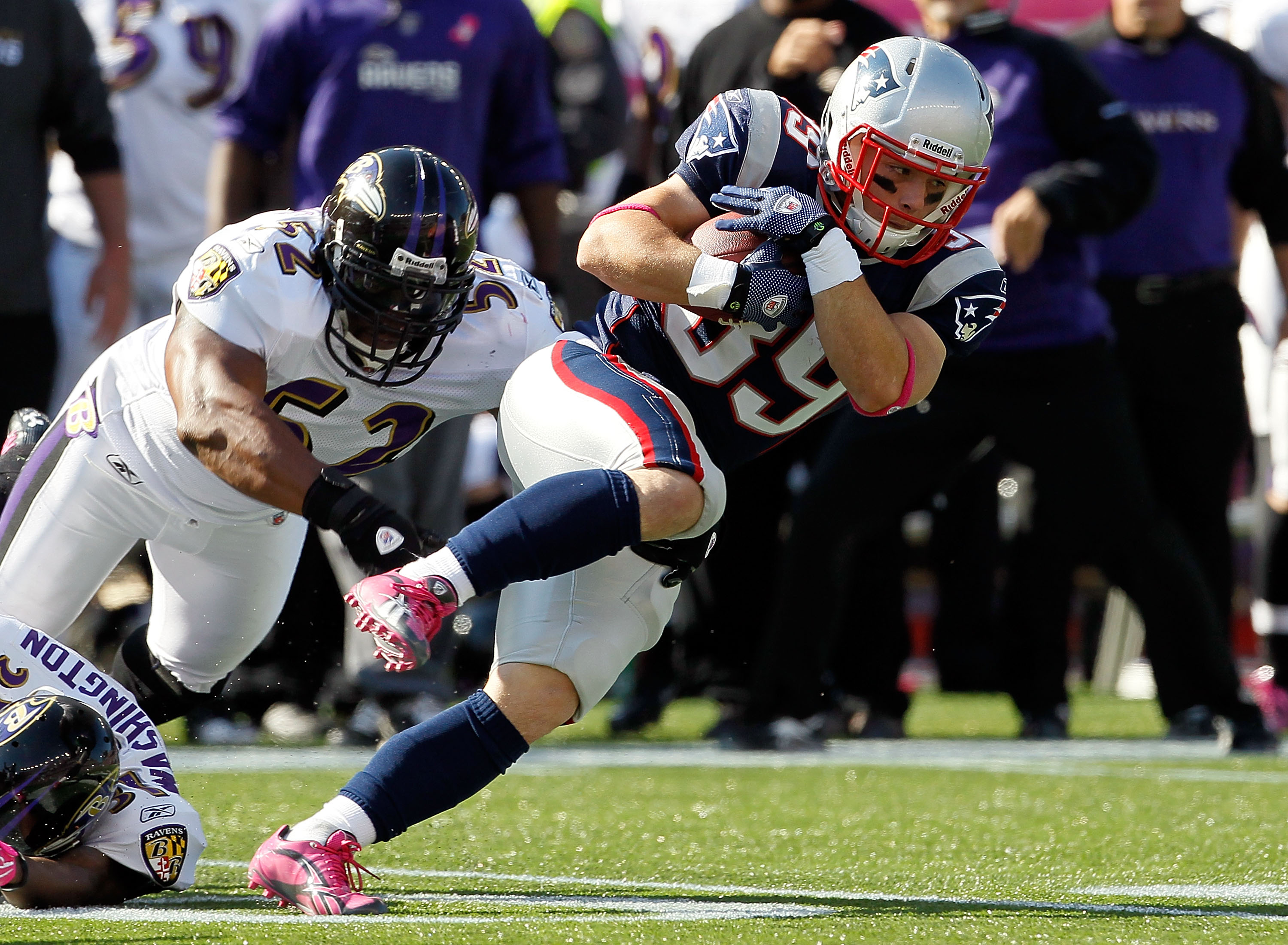 FOXBORO, MA - OCTOBER 17:  Danny Woodhead #39 of the New England Patriots is caught by Ray Lewis #52 of the Baltimore Ravens in the first second half at Gillette Stadium on October 17, 2010 in Foxboro, Massachusetts. The Patriot won 23-20 in overtime.  (P