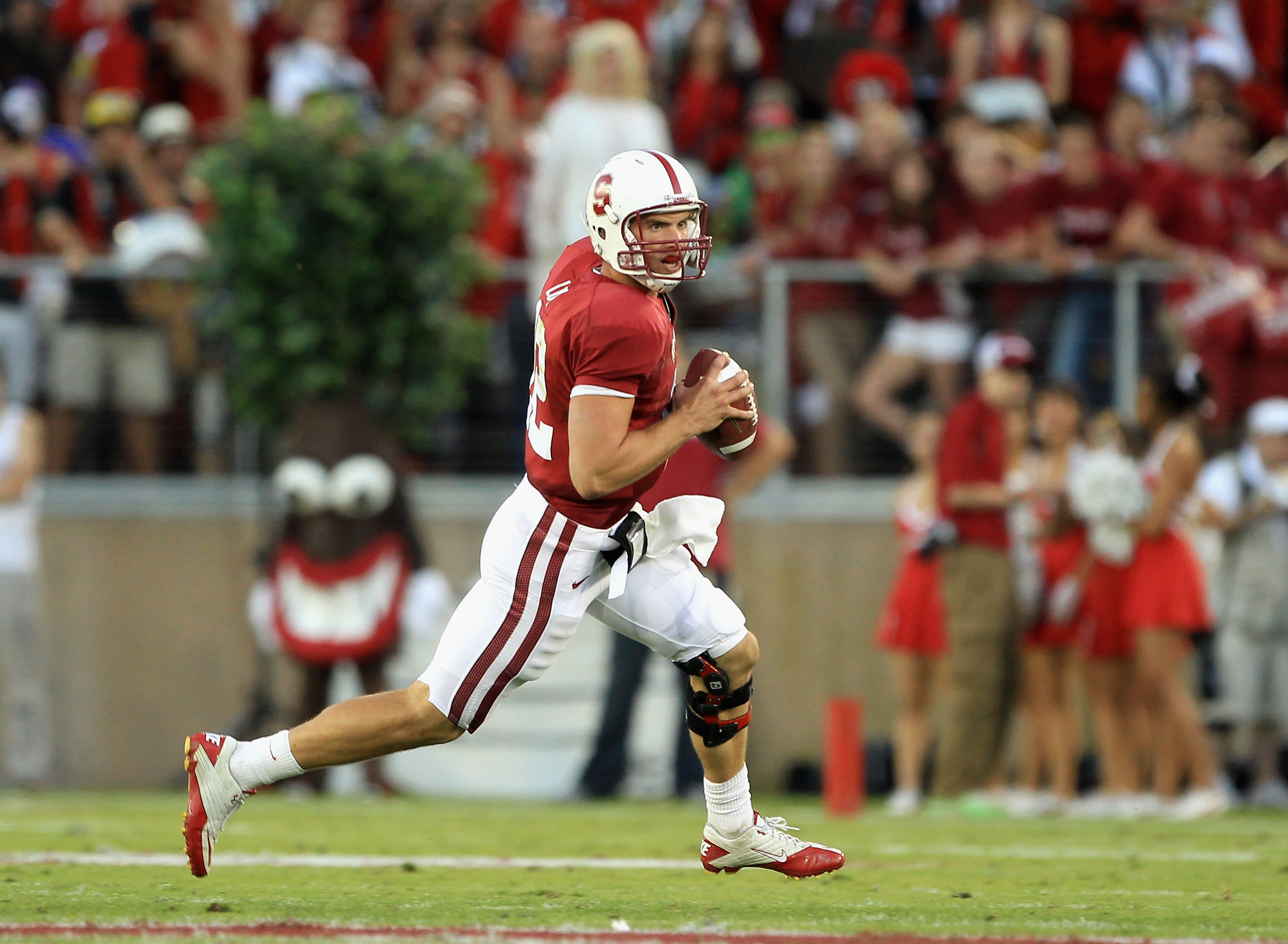 PALO ALTO, CA - OCTOBER 09:  Andrew Luck #12 of the Stanford Cardinal in action during their game against the USC Trojans at Stanford Stadium on October 9, 2010 in Palo Alto, California.  (Photo by Ezra Shaw/Getty Images)