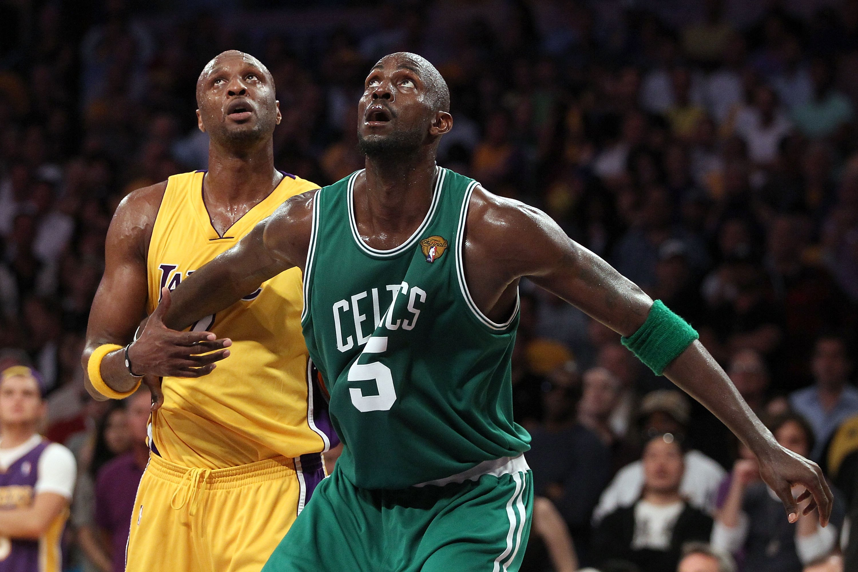 LOS ANGELES, CA - JUNE 17:  Kevin Garnett #5 of the Boston Celtics boxes out Lamar Odom #7 of the Los Angeles Lakers in Game Seven of the 2010 NBA Finals at Staples Center on June 17, 2010 in Los Angeles, California.  NOTE TO USER: User expressly acknowle