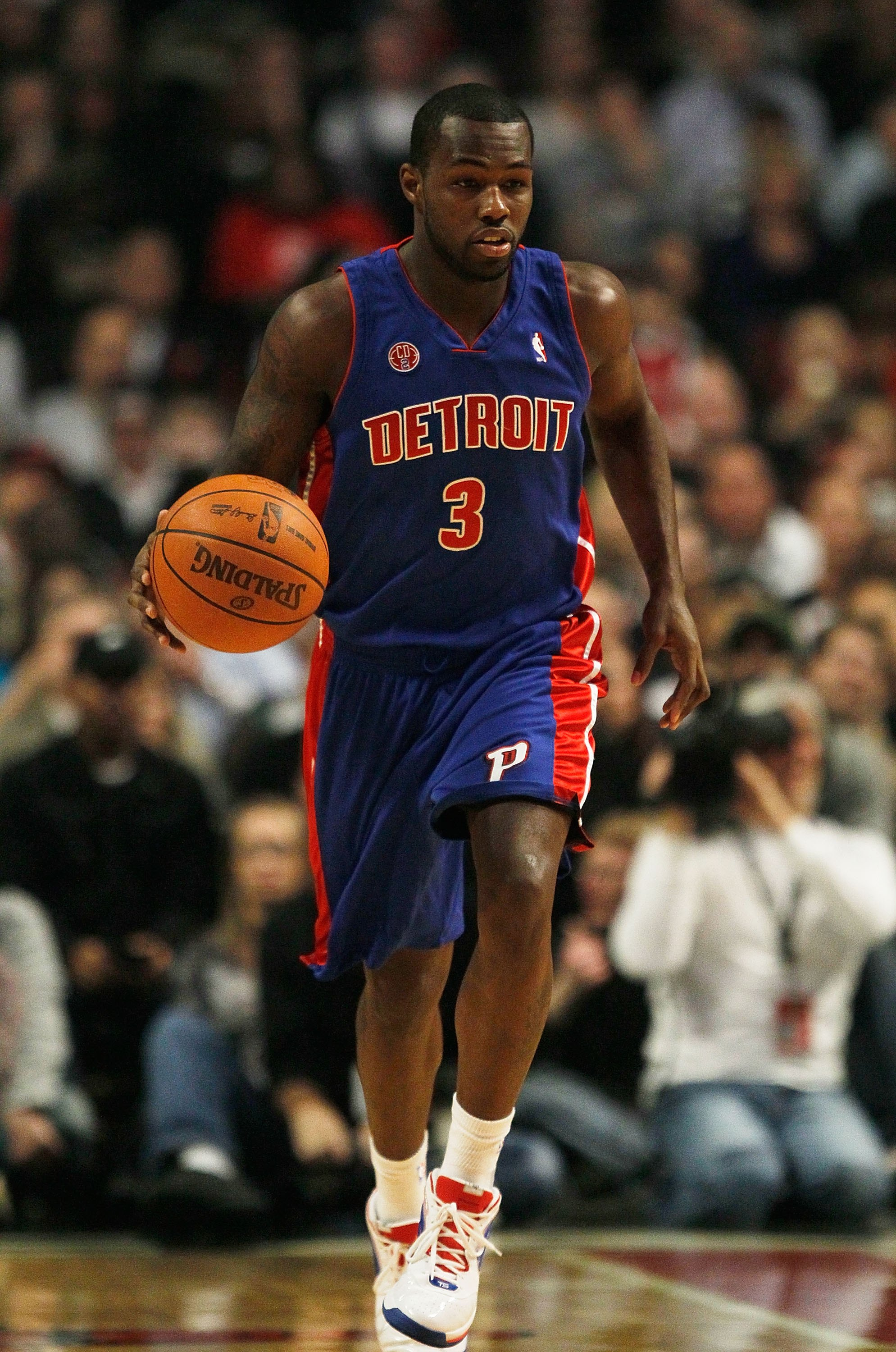 CHICAGO - DECEMBER 02: Rodney Stucky #3 of the Detroit Pistonsbrings the ball upcourt against the Chicago Bulls at the United Center on December 2, 2009 in Chicago, Illinois. The Bulls defeated the Pistons 92-85. NOTE TO USER: User expressly acknowledges