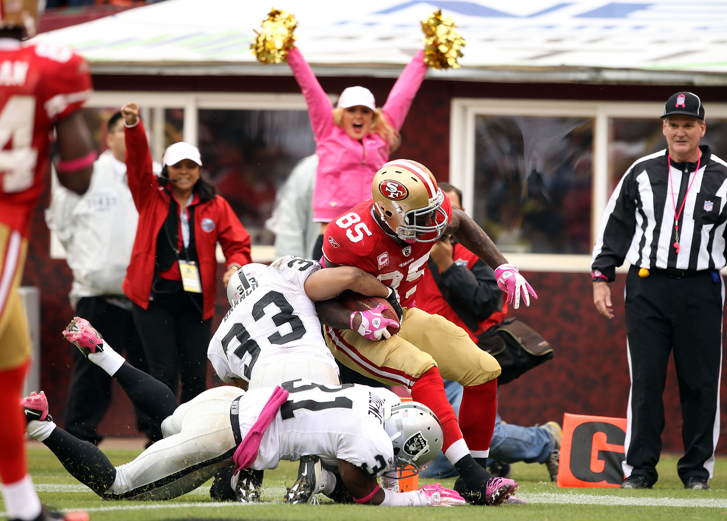 Branch takes down Vernon Davis at the goal line