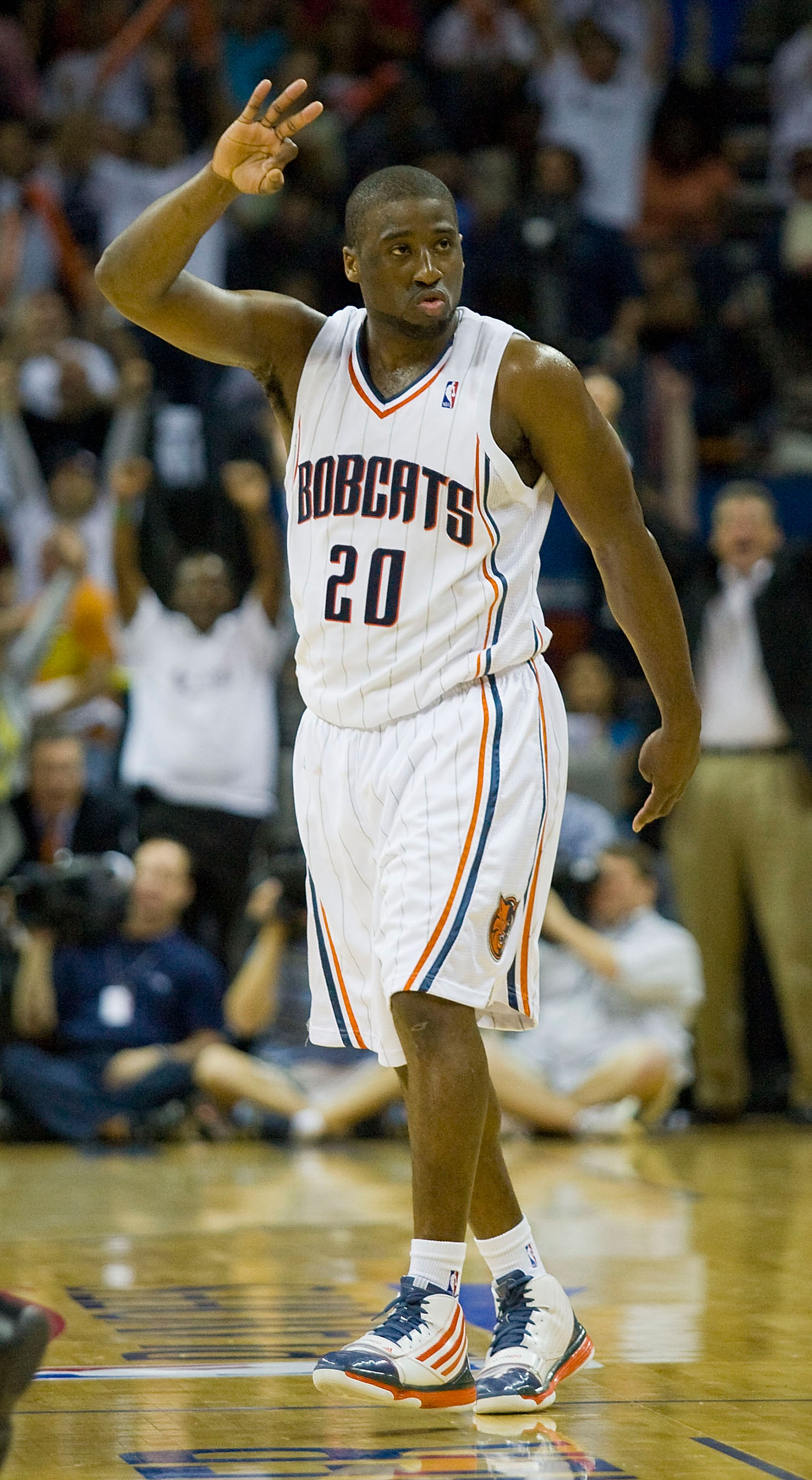 CHARLOTTE, NC - APRIL 26:  Raymond Felton #20 of the Charlotte Bobcats reacts after hitting a 3-point shot as time expired in the first quarter against the Orlando Magic in Game Four of the Eastern Conference Quarterfinals during the 2010 NBA Playoffs at