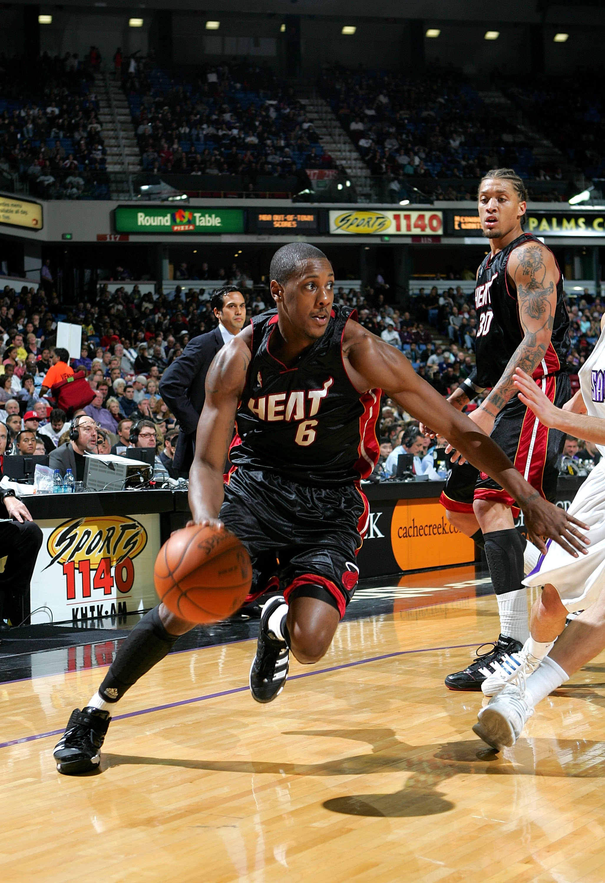 SACRAMENTO, CA - DECEMBER 06:  Mario Chalmers #6 of the Miami Heat in action during their game against the Sacramento Kings at ARCO Arena on December 6, 2009 in Sacramento, California.  NOTE TO USER: User expressly acknowledges and agrees that, by downloa