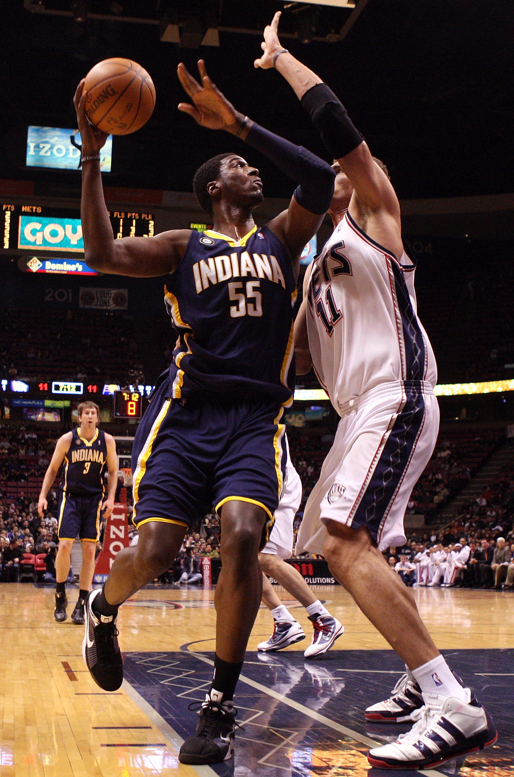 Roy Hibbert (l) and Brooke Lopez (r)