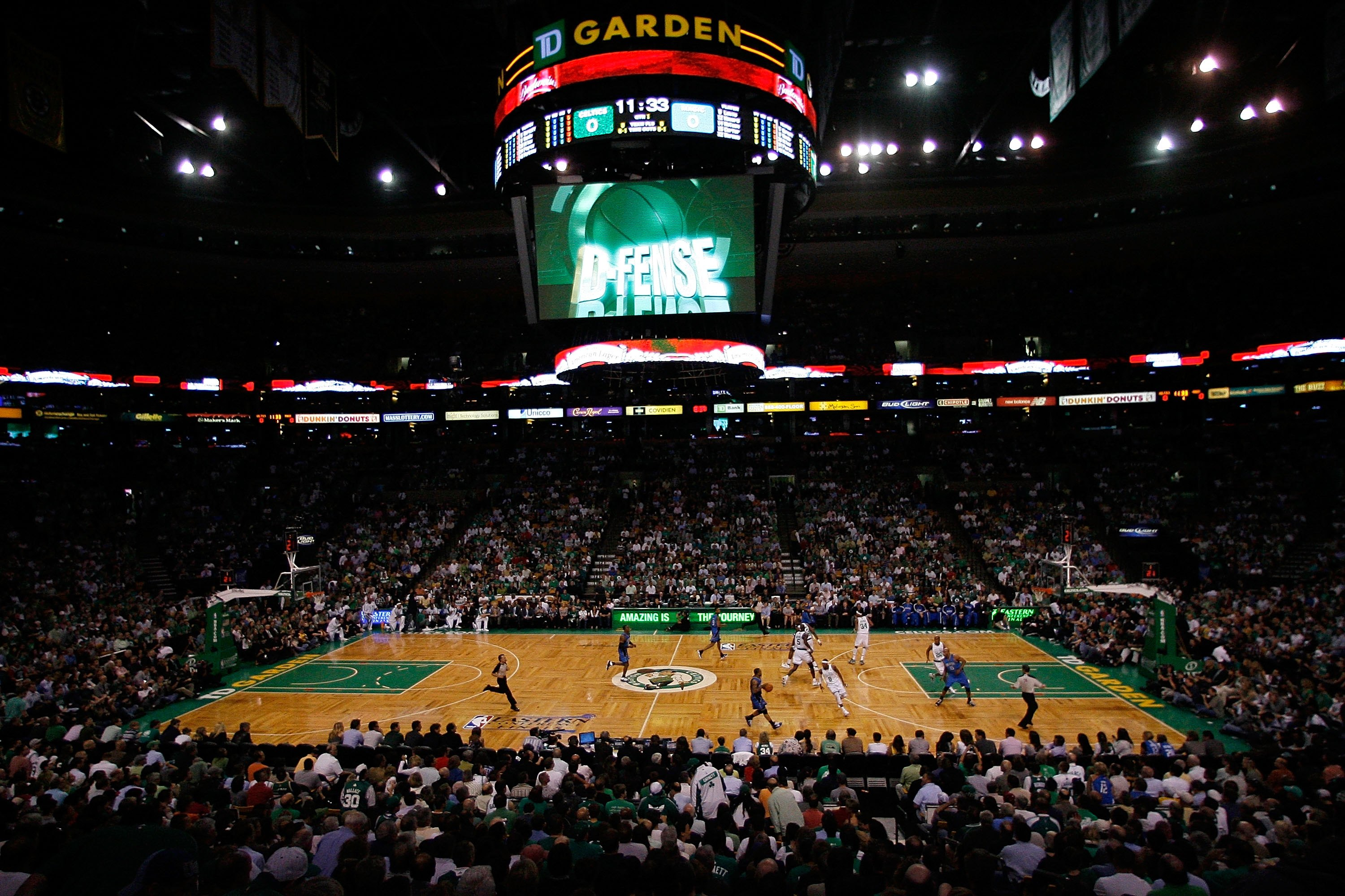 BOSTON - MAY 28:  A general view of action between the Boston Celtics and the Orlando Magic in Game Six of the Eastern Conference Finals during the 2010 NBA Playoffs at TD Garden on May 28, 2010 in Boston, Massachusetts.  NOTE TO USER: User expressly ackn