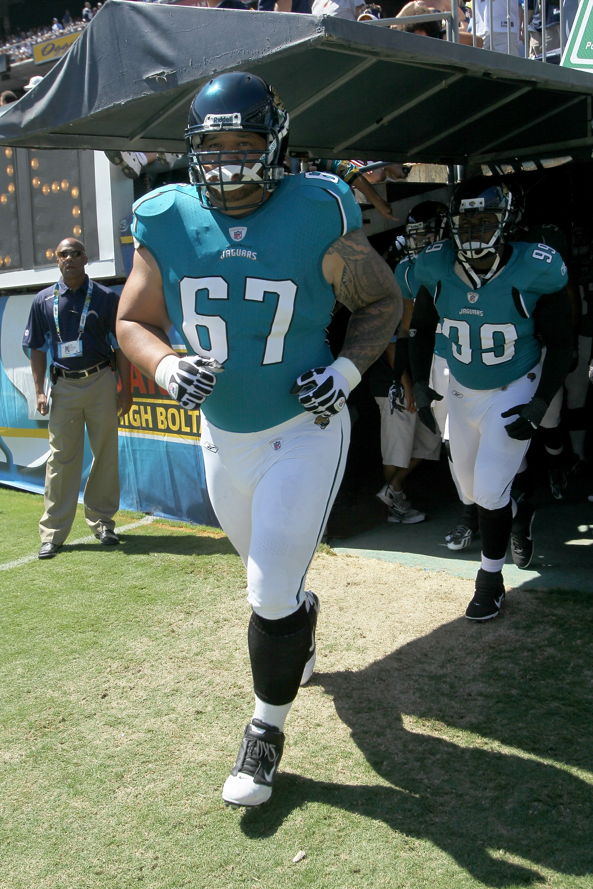 SAN DIEGO - SEPTEMBER 19:  Guard Vince Manuwai #67 of the Jacksonville Jaguars takes the field for the game with the San Diego Chargers at Qualcomm Stadium on September 19, 2010 in San Diego, California.  (Photo by Stephen Dunn/Getty Images)