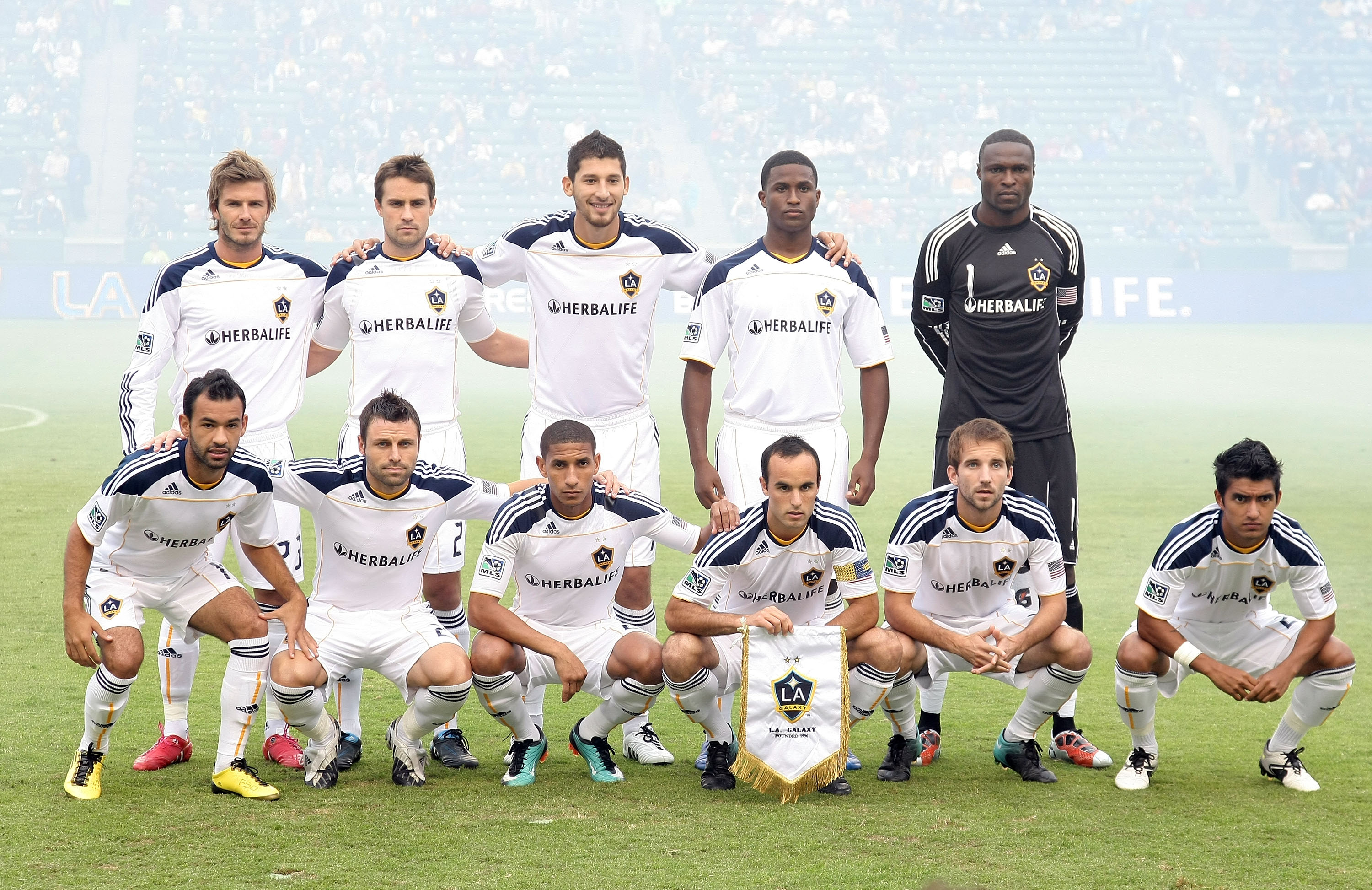 CARSON, CA - OCTOBER 24:  The Los Angeles Galaxy starting XI pose for a group photo prior to the MLS match against FC Dallas on October 24, 2010 in Carson, California. The Galaxy defeated FC Dallas 2-1.  (Photo by Victor Decolongon/Getty Images)