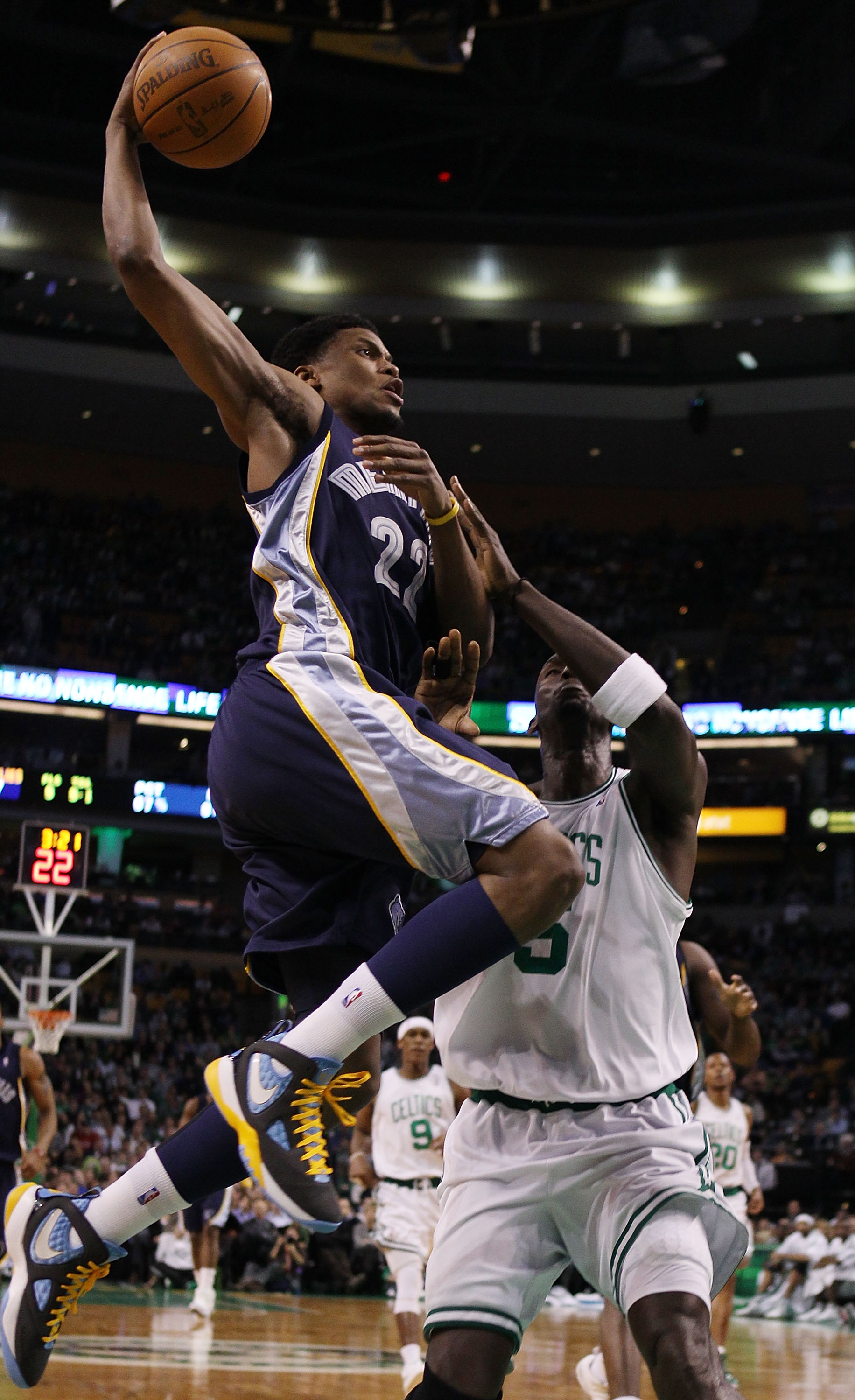 BOSTON - MARCH 10:  Rudy Gay #22 of the Memphis Grizzlies heads for the basket as Kevin Garnett #5 of the Boston Celtics defends on March 10, 2010 at the TD Garden in Boston, Massachusetts.  NOTE TO USER: User expressly acknowledges and agrees that, by do