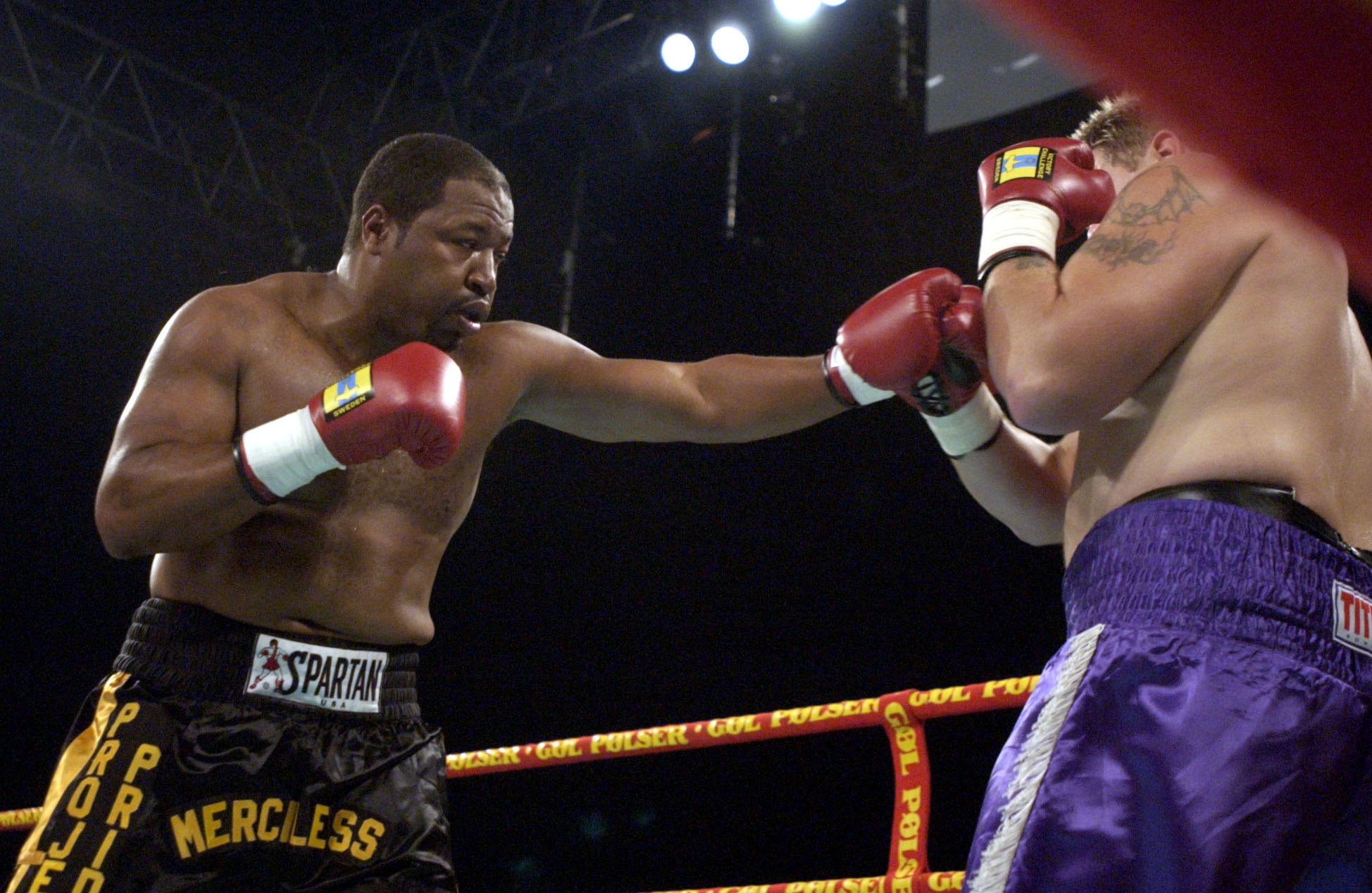 13 Oct 2001:  Ray Mercer of the USA in action on his way to a knockout victory over Brian Scott of the USA during their heavyweight fight at the Parken Stadium, Copenhagen, Denmark.DIGITAL IMAGE. Mandatory Credit: John Gichigi/ALLSPORT