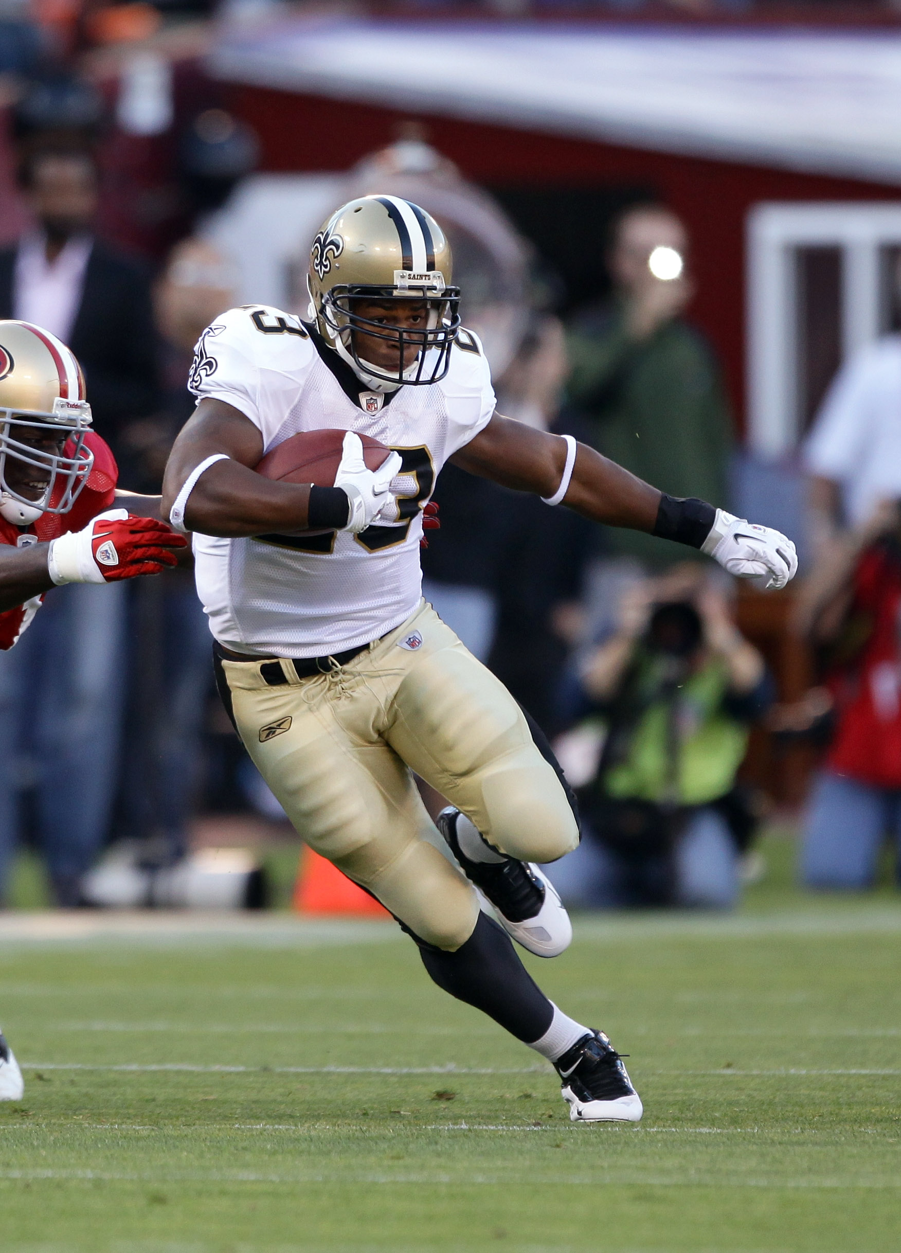 SAN FRANCISCO - SEPTEMBER 20:  Pierre Thomas #23 of the New Orleans Saints in action during their game against the San Francisco 49ers at Candlestick Park on September 20, 2010 in San Francisco, California.  (Photo by Ezra Shaw/Getty Images)