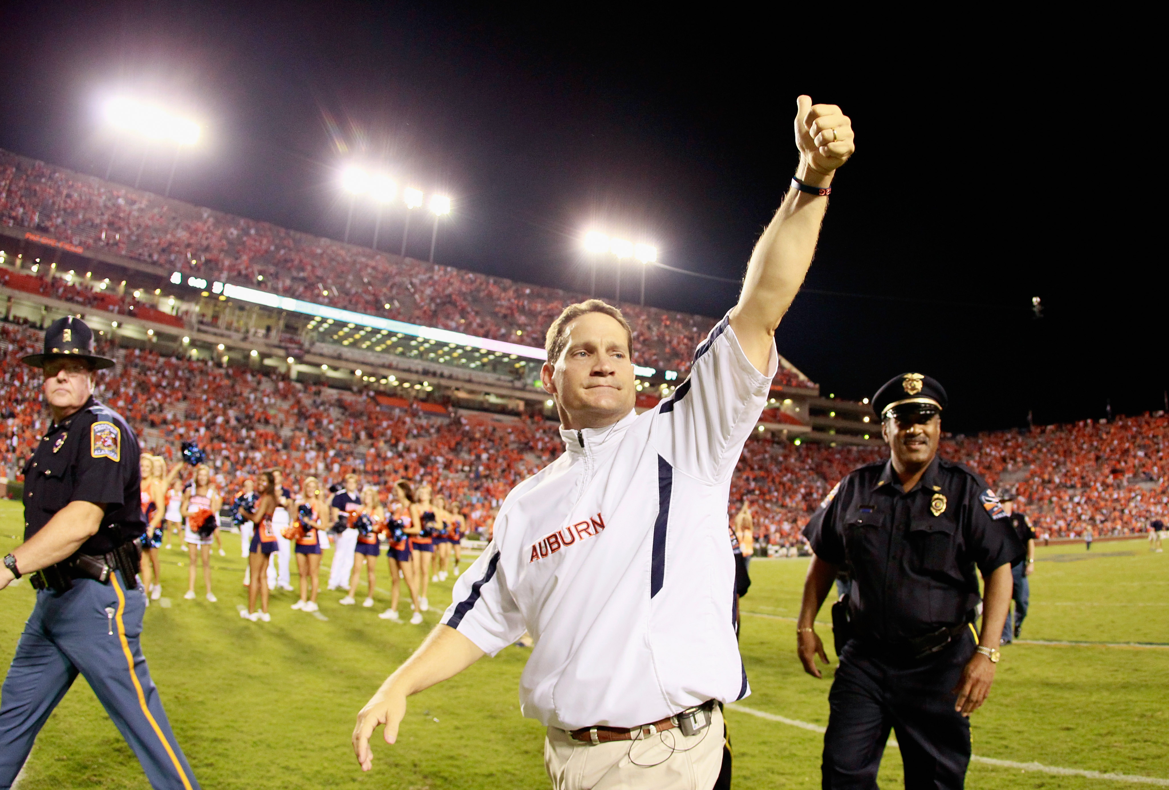 AUBURN, AL - SEPTEMBER 25:  Head coach Gene Chizik of the Auburn Tigers against the South Carolina Gamecocks at Jordan-Hare Stadium on September 25, 2010 in Auburn, Alabama.  (Photo by Kevin C. Cox/Getty Images)