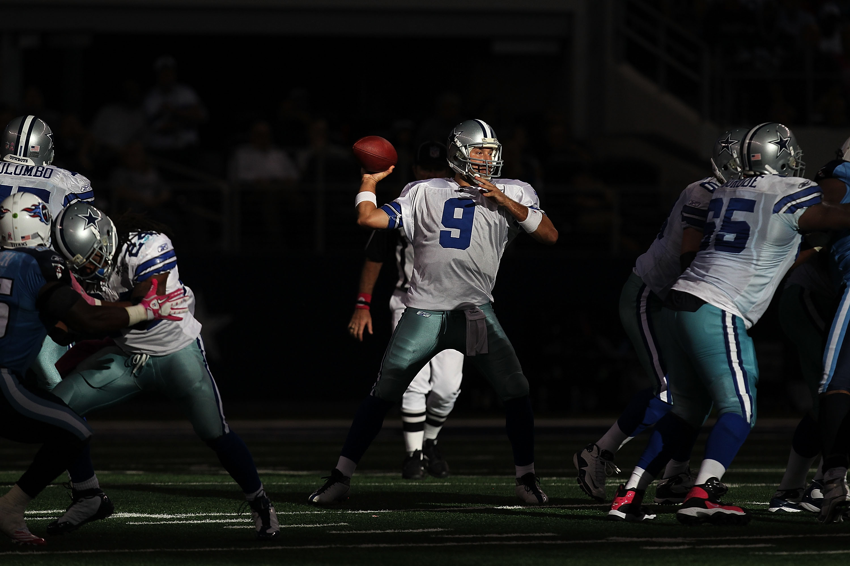 ARLINGTON, TX - OCTOBER 10:  Quarterback Tony Romo #9 of the Dallas Cowboys at Cowboys Stadium on October 10, 2010 in Arlington, Texas.  (Photo by Ronald Martinez/Getty Images)