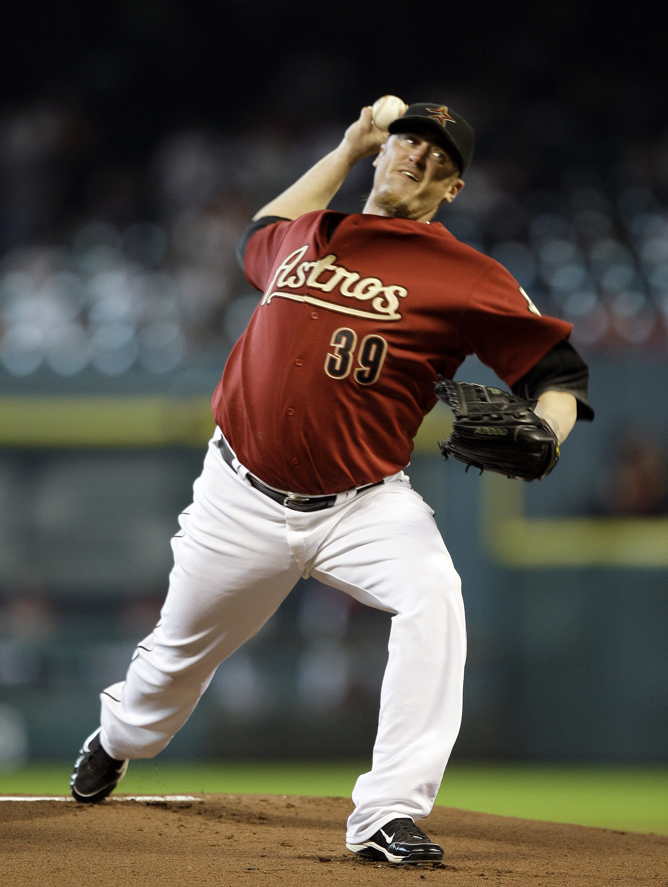 HOUSTON - SEPTEMBER 19:  Pitcher Brett Myers #39 of the Houston Astros throws against the Cincinnatti Reds in the first inning at Minute Maid Park on September 19, 2010 in Houston, Texas.  (Photo by Bob Levey/Getty Images)