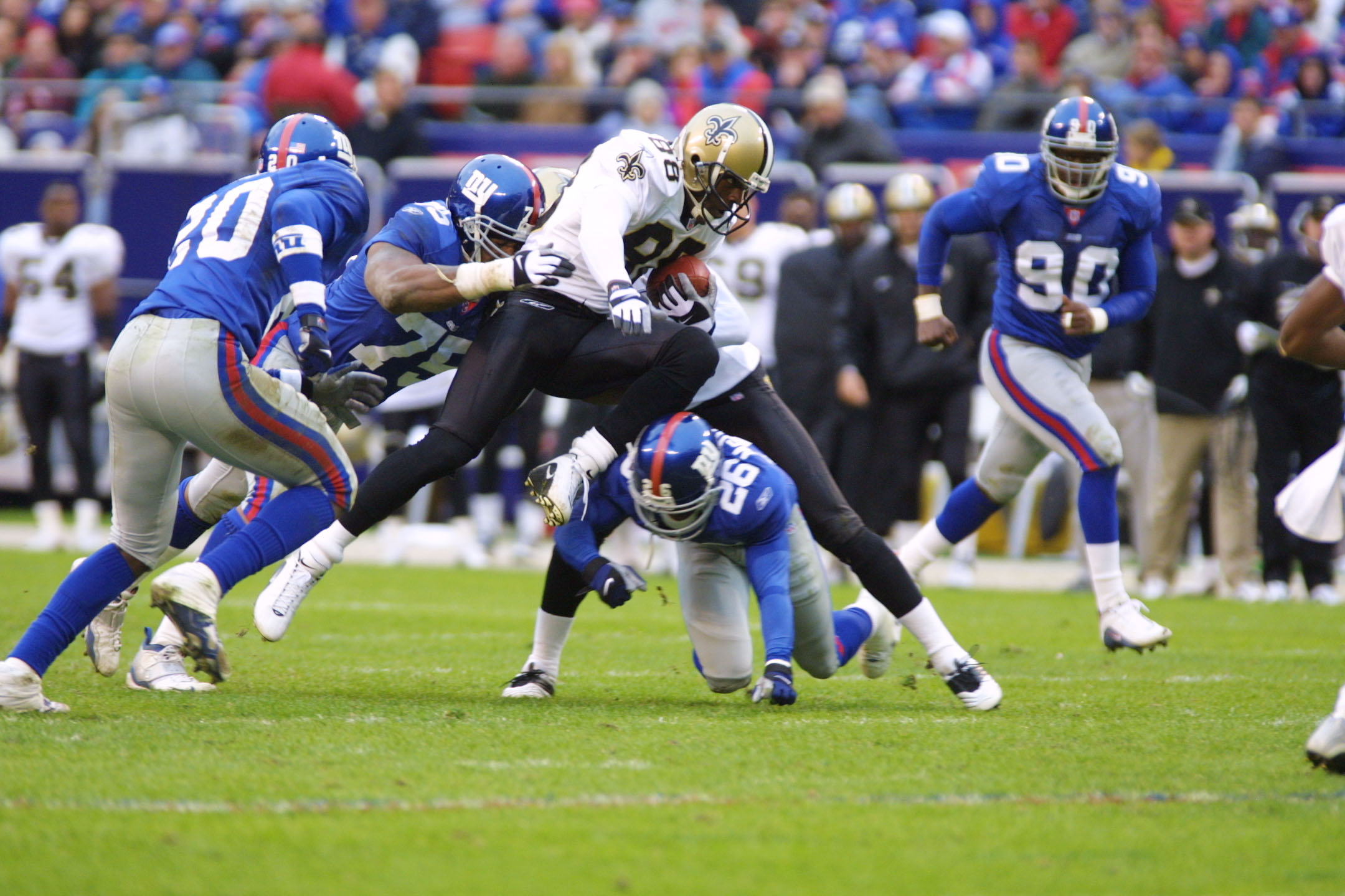 30 Sep 2001  Willie Jackson  88 of the New Orleans Saints is tackled by 7e38e5879