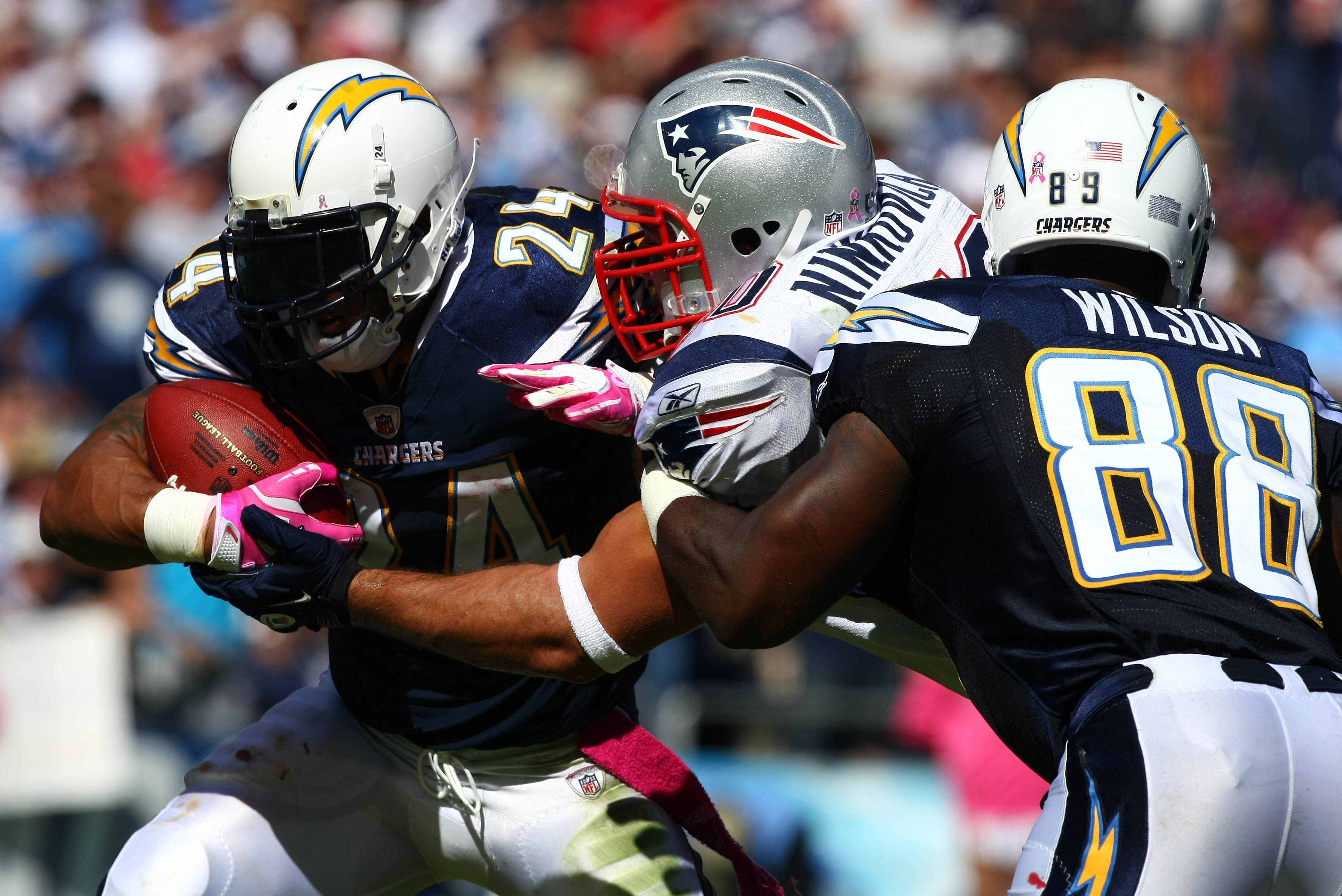 SAN DIEGO - OCTOBER 24:  Runningback Ryan Mathews #24 of the San Diego Chargers runs against the New England Patriots during NFL game on October 24, 2010 at Qualcomm Stadium in San Diego, California. (Photo by Donald Miralle/Getty Images)