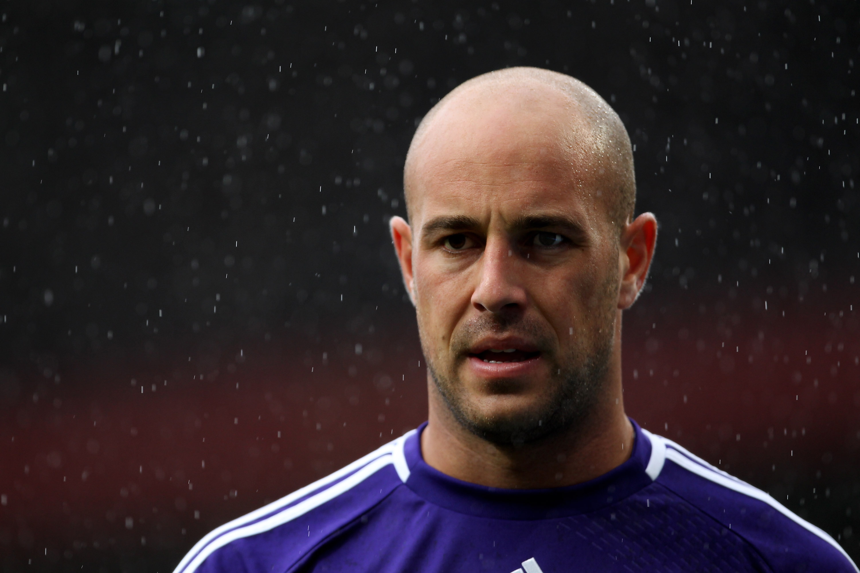 MANCHESTER, ENGLAND - SEPTEMBER 19:   Pepe Reina of Liverpool looks on during the Barclays Premier League match between Manchester United and Liverpool at Old Trafford on September 19, 2010 in Manchester, England. (Photo by Alex Livesey/Getty Images)