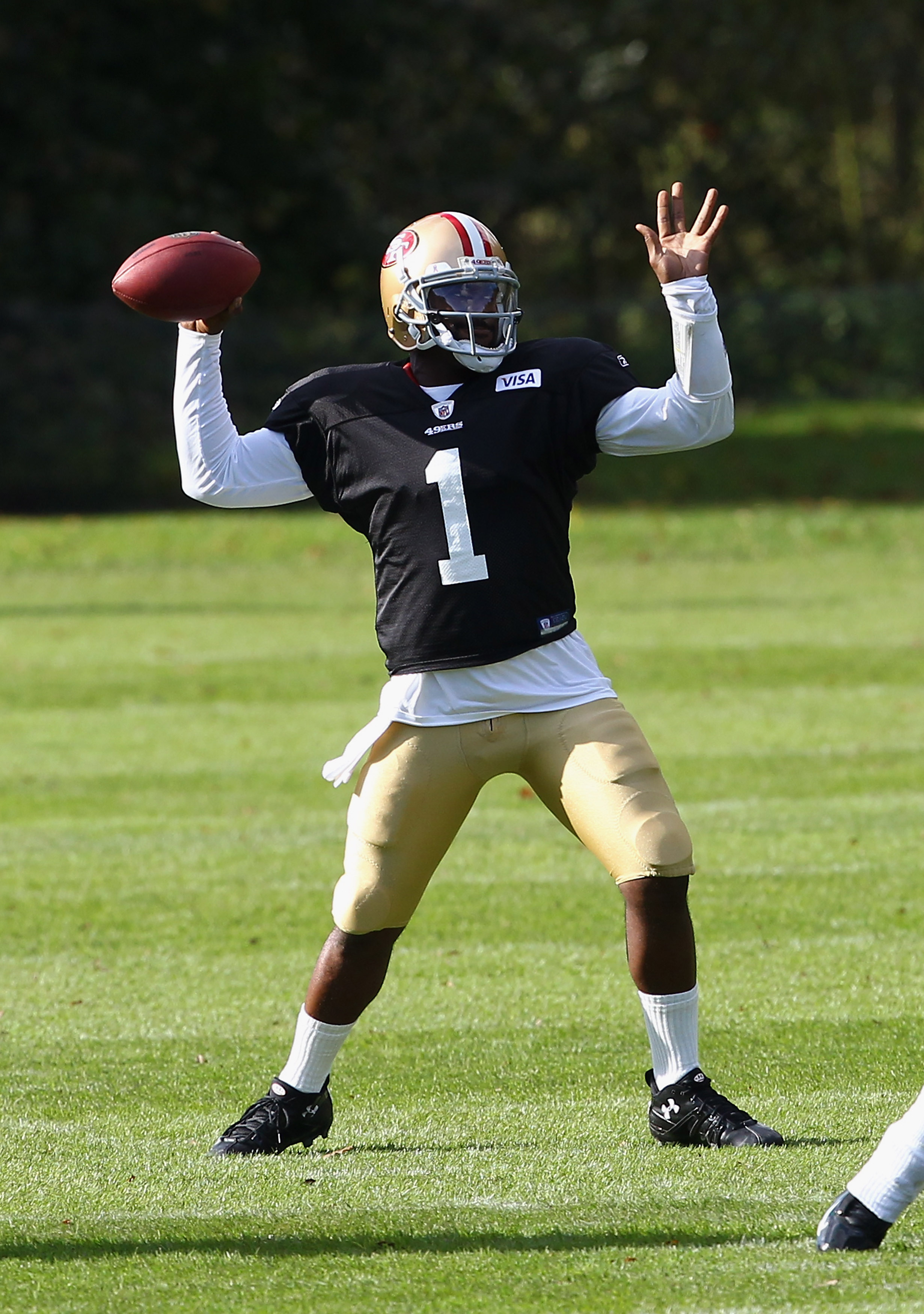 HERTFORD, ENGLAND - OCTOBER 27:  Troy Smith of San Francisco 49ers in a training session at The Grove Hotel on October 27, 2010 in Hertford, England. The San Francisco 49ers will meet the Denver Broncos in the NFL International Series regular-season match