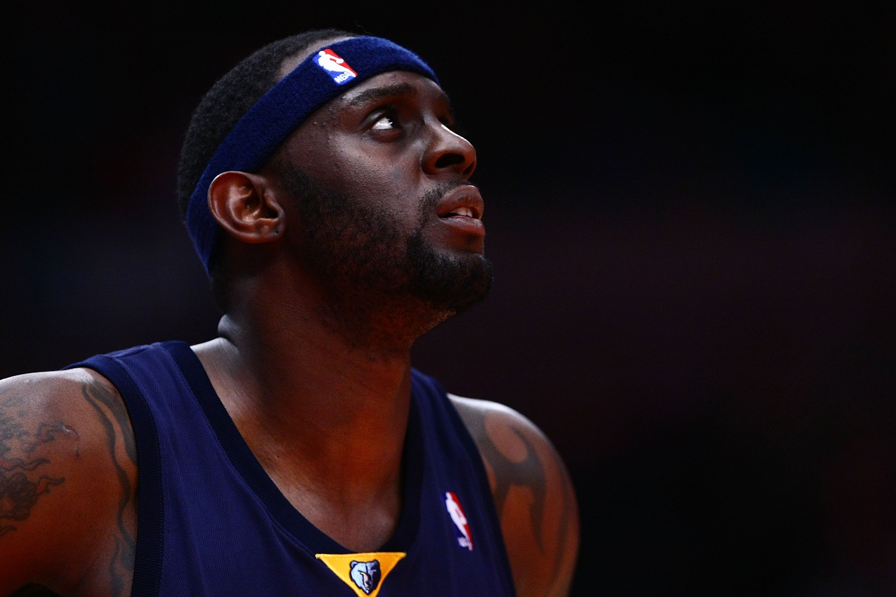 NEW YORK - JANUARY 23:  Darius Miles #3 of the Memphis Grizzlies looks on during the game against the New York Knicks at Madison Square Garden January 23, 2009 in New York City. NOTE TO USER: User expressly acknowledges and agrees that, by downloading and