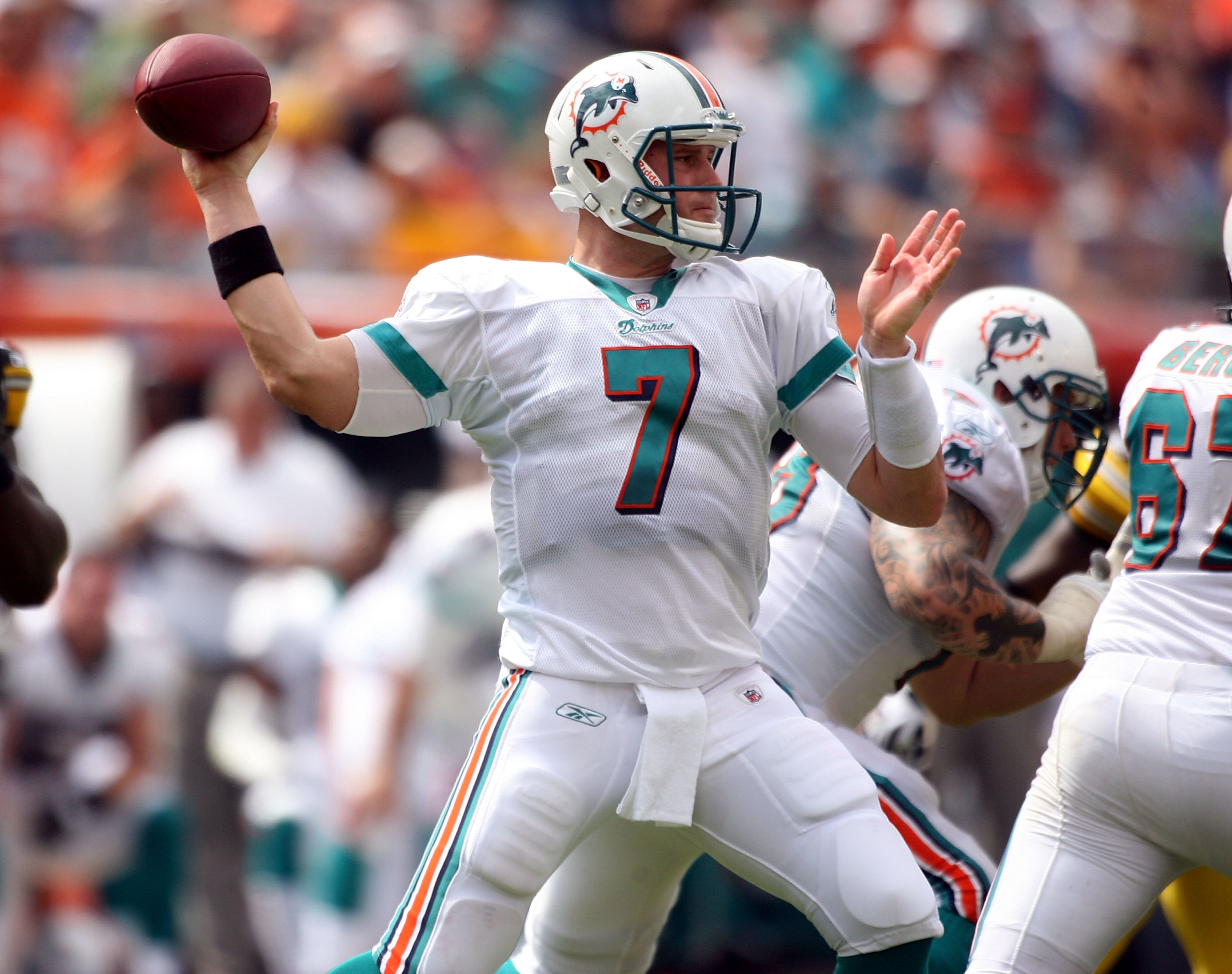 MIAMI - OCTOBER 24:  Quarterback Chad Henne #7 passes against the Pittsburgh Steelers  at Sun Life Stadium on October 24, 2010 in Miami, Florida.  (Photo by Marc Serota/Getty Images)