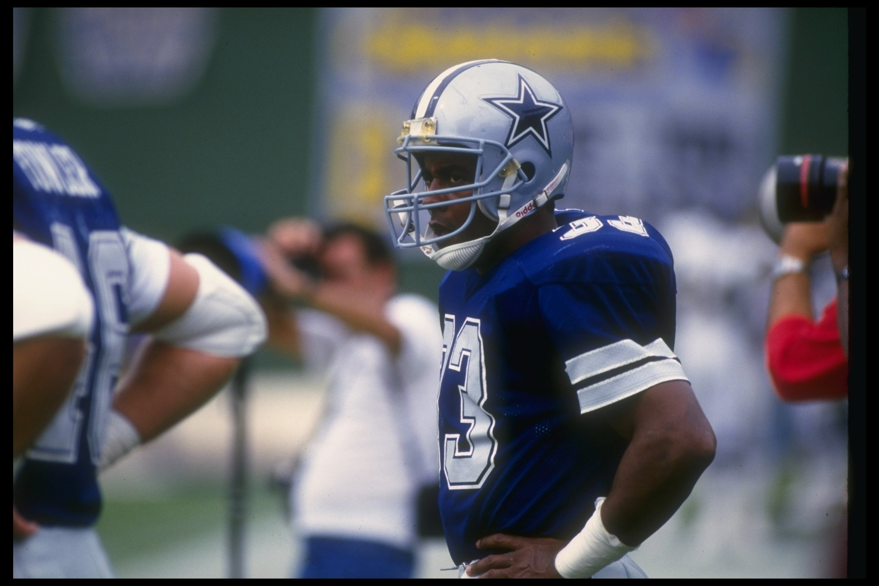 16 Nov 1986:  Running back Tony Dorsett of the Dallas Cowboys looks on during a game against the San Diego Chargers at Jack Murphy Stadium in San Diego, California.  The Cowboys won the game, 24-21. Mandatory Credit: Ken Levine  /Allsport