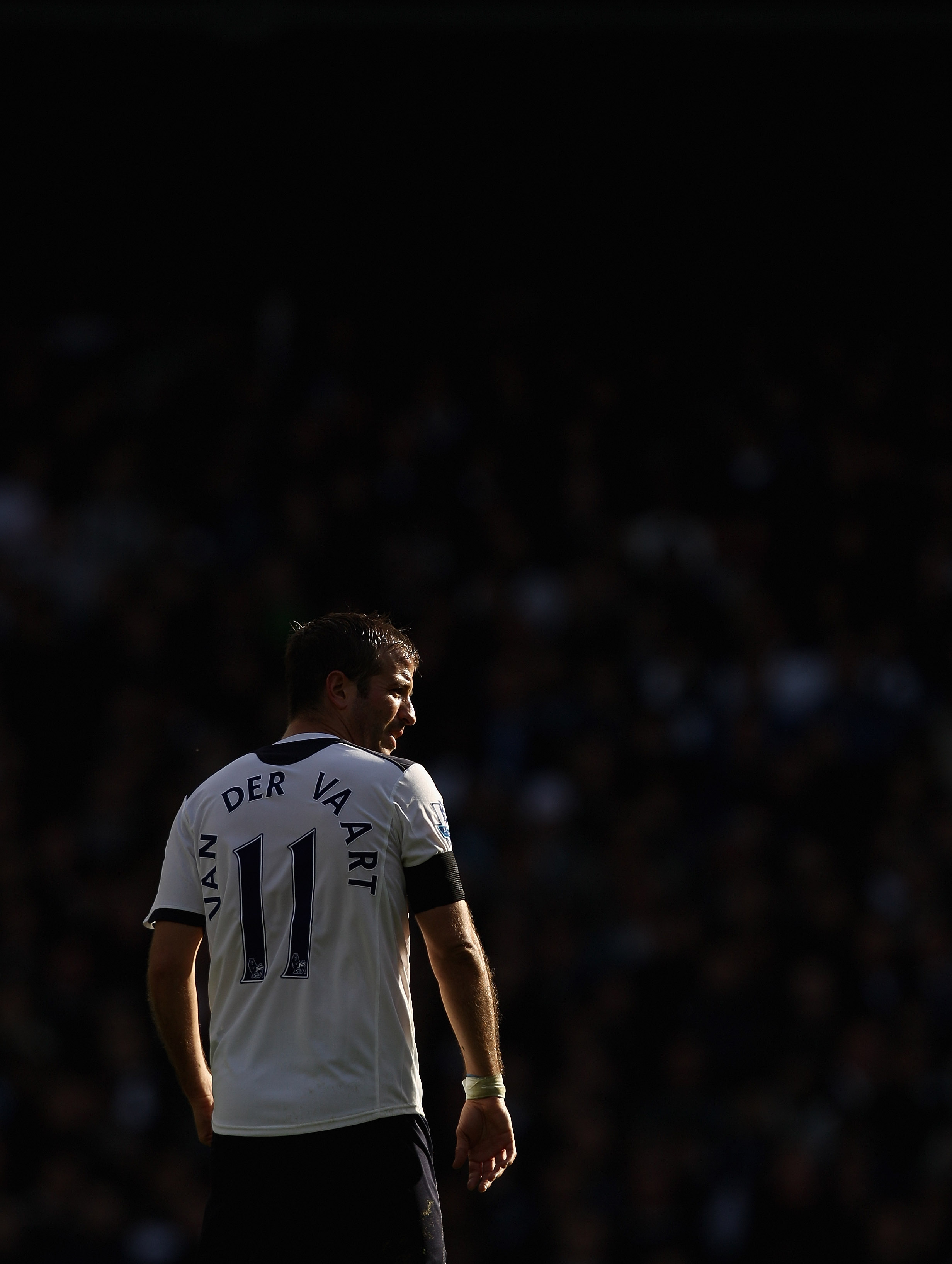 LONDON, ENGLAND - OCTOBER 23:  Rafael van der Vaart of Tottenham in action during the Barclays Premier League match between Tottenham Hotspur and Everton at White Hart Lane on October 23, 2010 in London, England.  (Photo by Richard Heathcote/Getty Images)