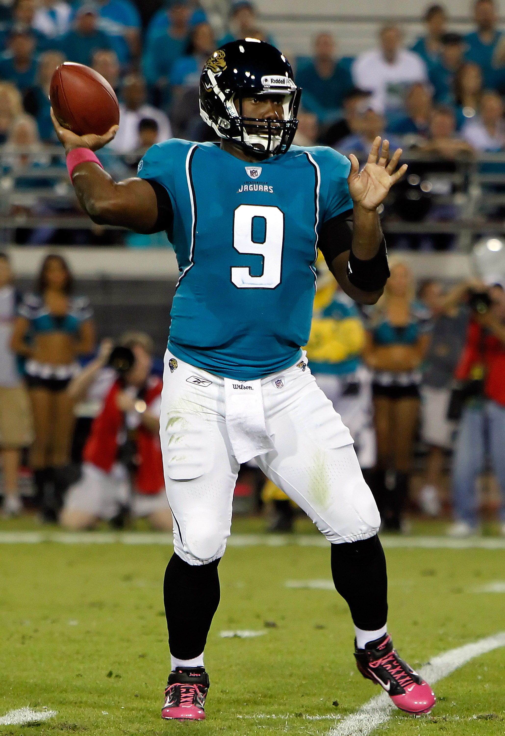 JACKSONVILLE, FL - OCTOBER 18:  Quarterback David Garrard #9 of the Jacksonville Jaguars throws a pass against the Tennessee Titans during the game at EverBank Field on October 18, 2010 in Jacksonville, Florida.  (Photo by J. Meric/Getty Images)