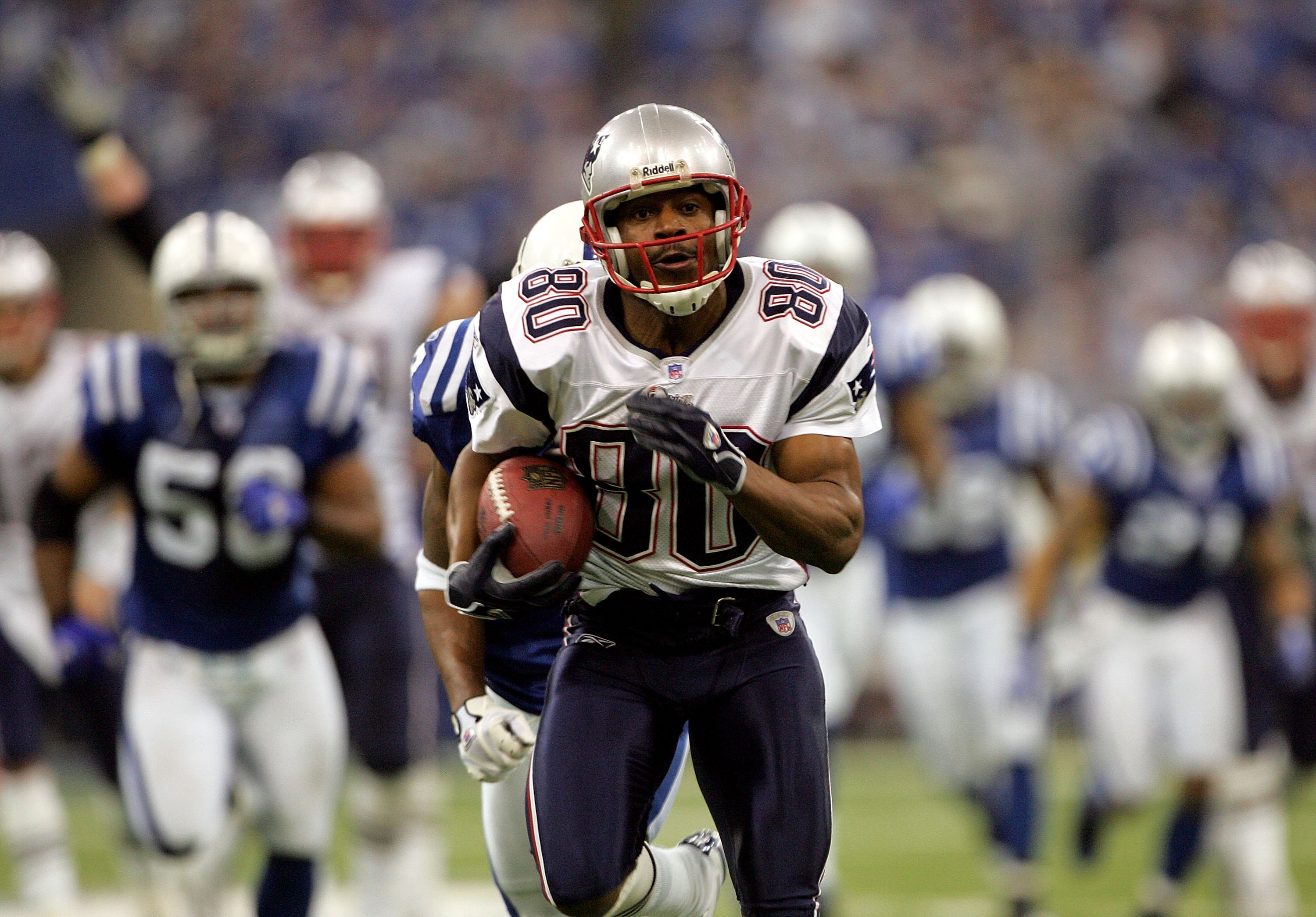 INDIANAPOLIS - JANUARY 21:  Troy Brown #80 of the New England Patriots runs the ball against the Indianapolis Colts during the AFC Championship Game on January 21, 2007 at the RCA Dome in Indianapolis, Indiana.  (Photo by Doug Pensinger/Getty Images)